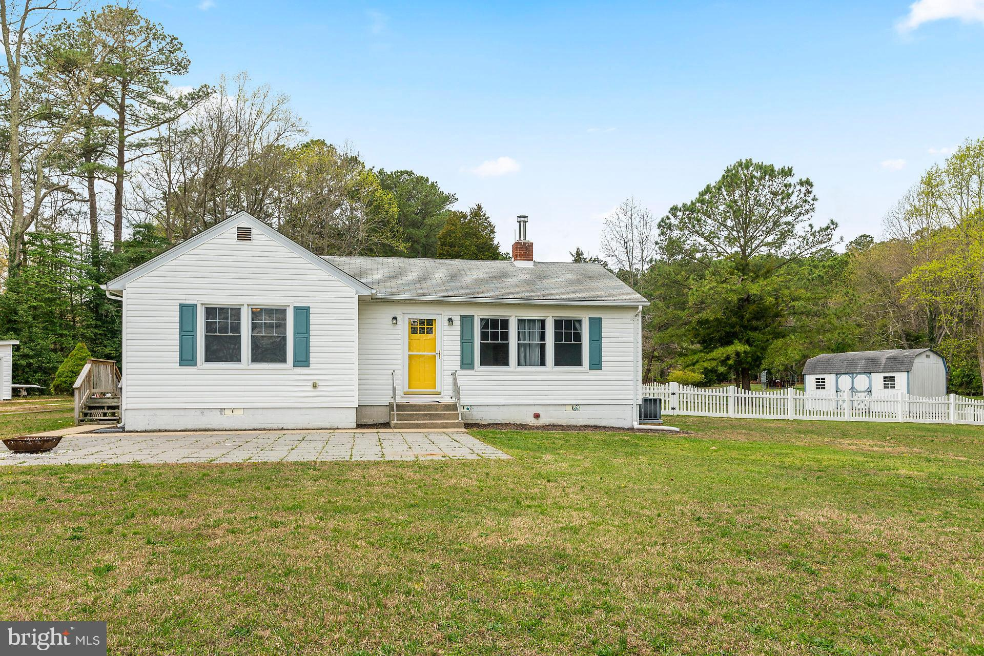 You really need to come out to see this darling home.  Are you looking for that perfect, charming, w