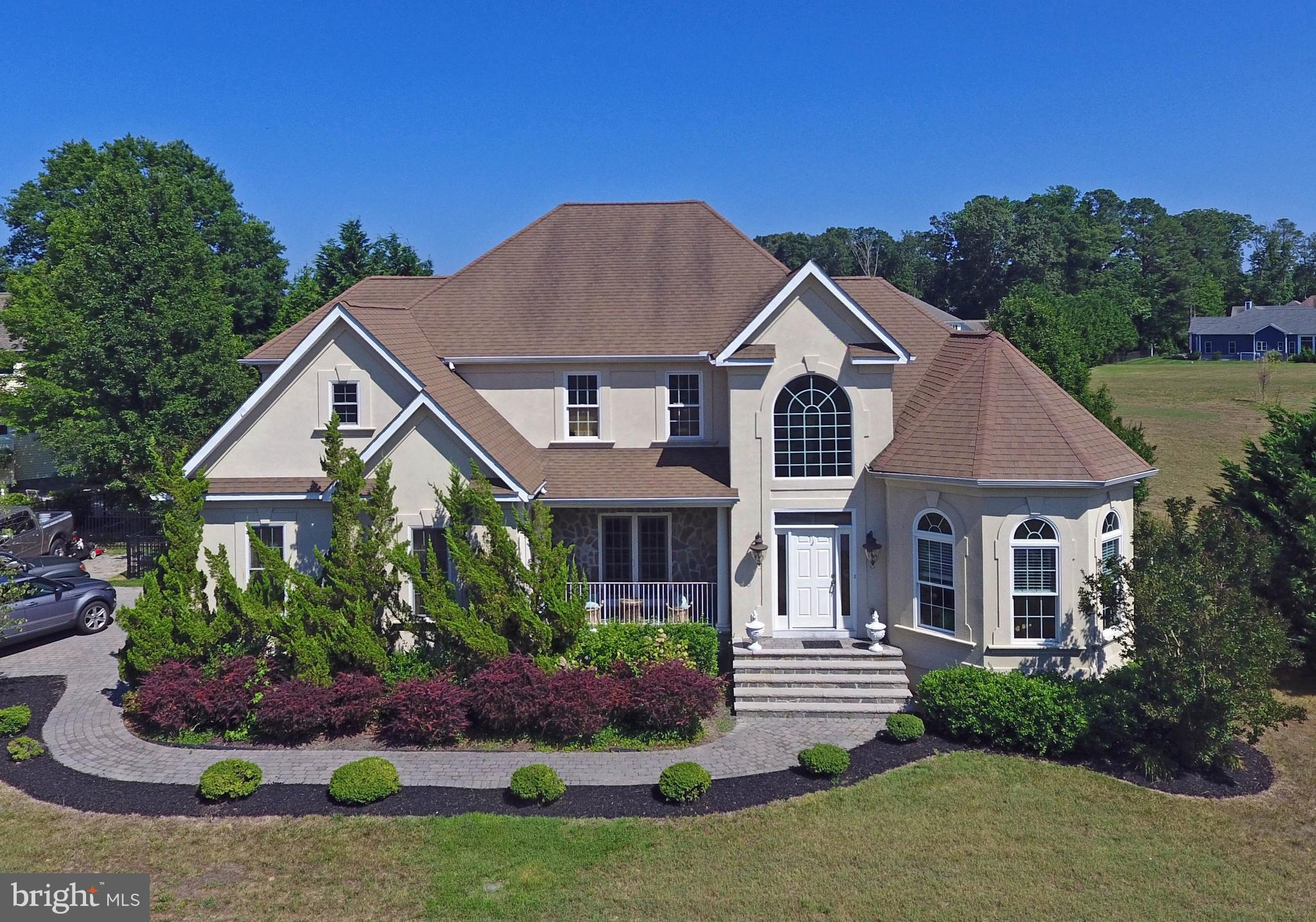 This is an ideal setting for a 4BR 3.5BA  (plus bonus room or 5th BR) with an open floor plan and dr