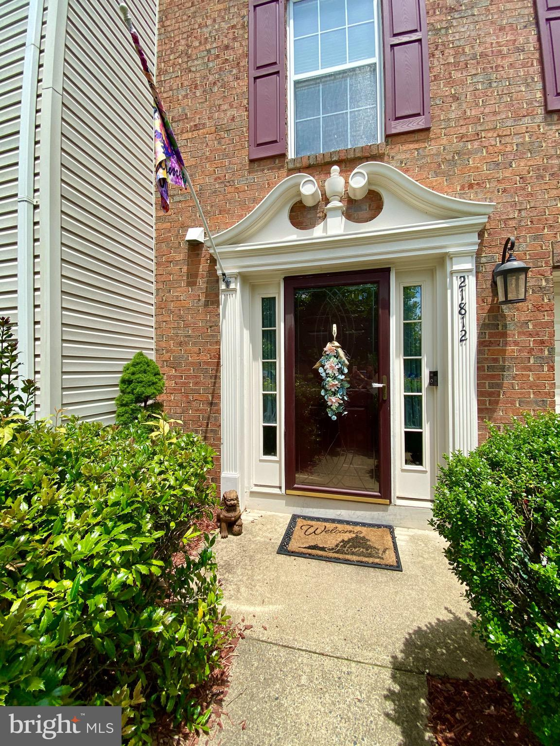 This extraordinary well-kept brick front townhome w/ 1 car garage shows Pride of Ownership throughou