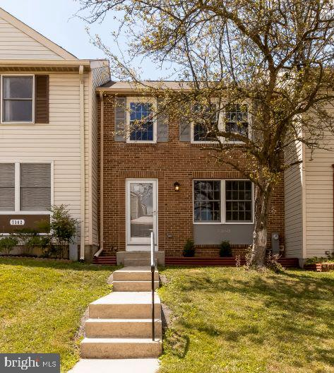 Beautifully renovated town home in sought after Guilford.  This jewel features new flooring, Modern Kitchen with soft close cabinets, Granite and Stainless Steel appliances. and much more. 3 finished levels including a walkout basement that leads to a full fenced rear yard perfect of entertaining or just relaxing. Upper level has 3 generous bedrooms and custom tile in the main bathroom. The master bedroom has a walk in closet plus additional storage space.  This house is a 10 out of 10 so don't miss your opportunity to own this lovely home.