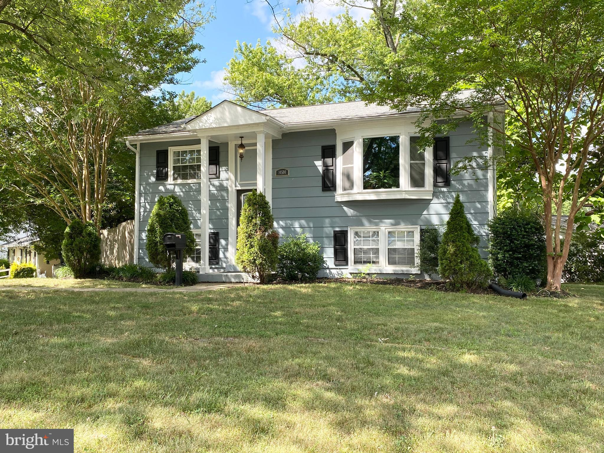 A Single Family home that has been cared  Separate dining room and Kitchen,  1 Full bath on The main