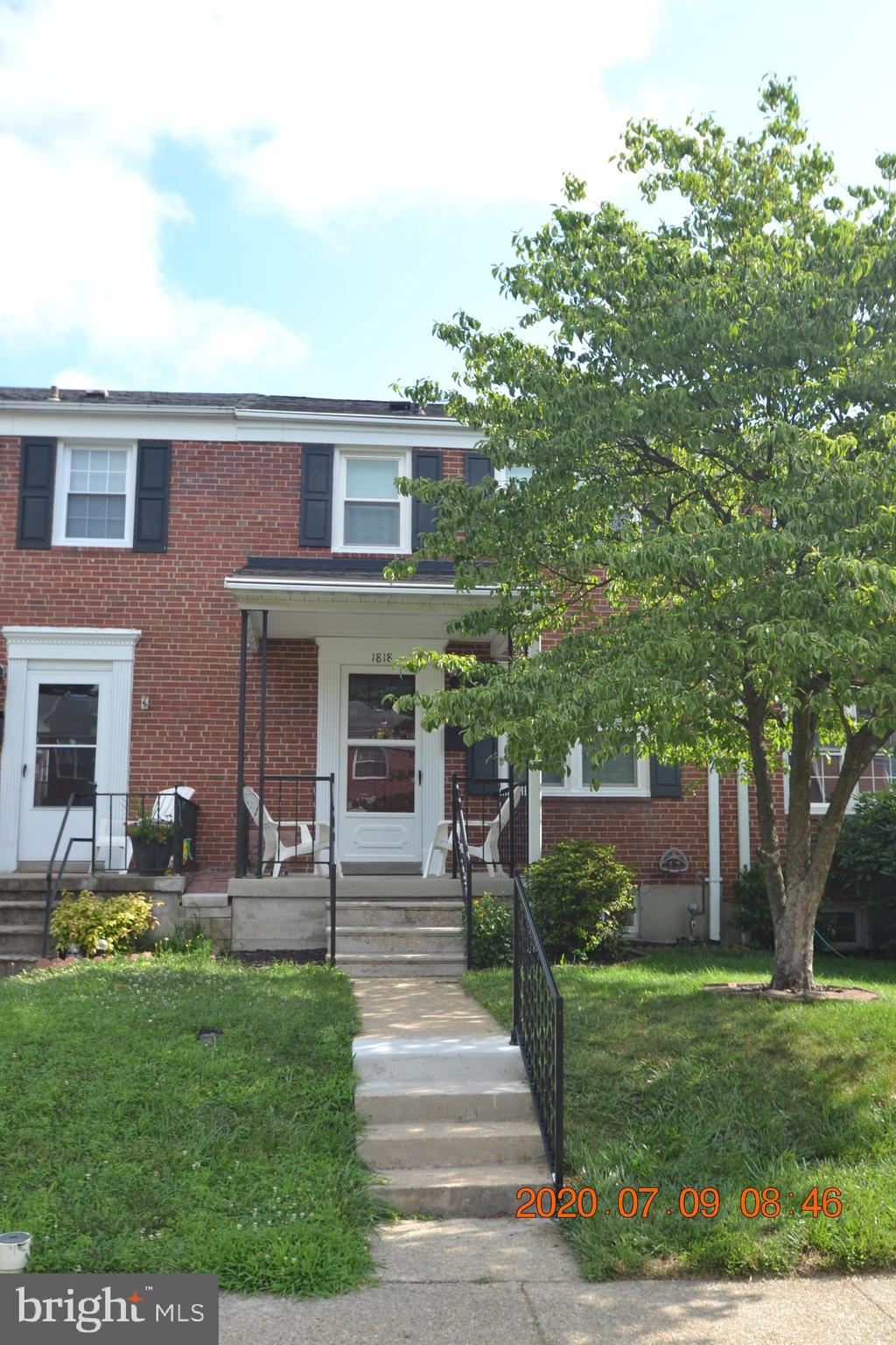 Beautiful and immaculate!  Sellers have pulled out all of the stops to put this property in move-in
