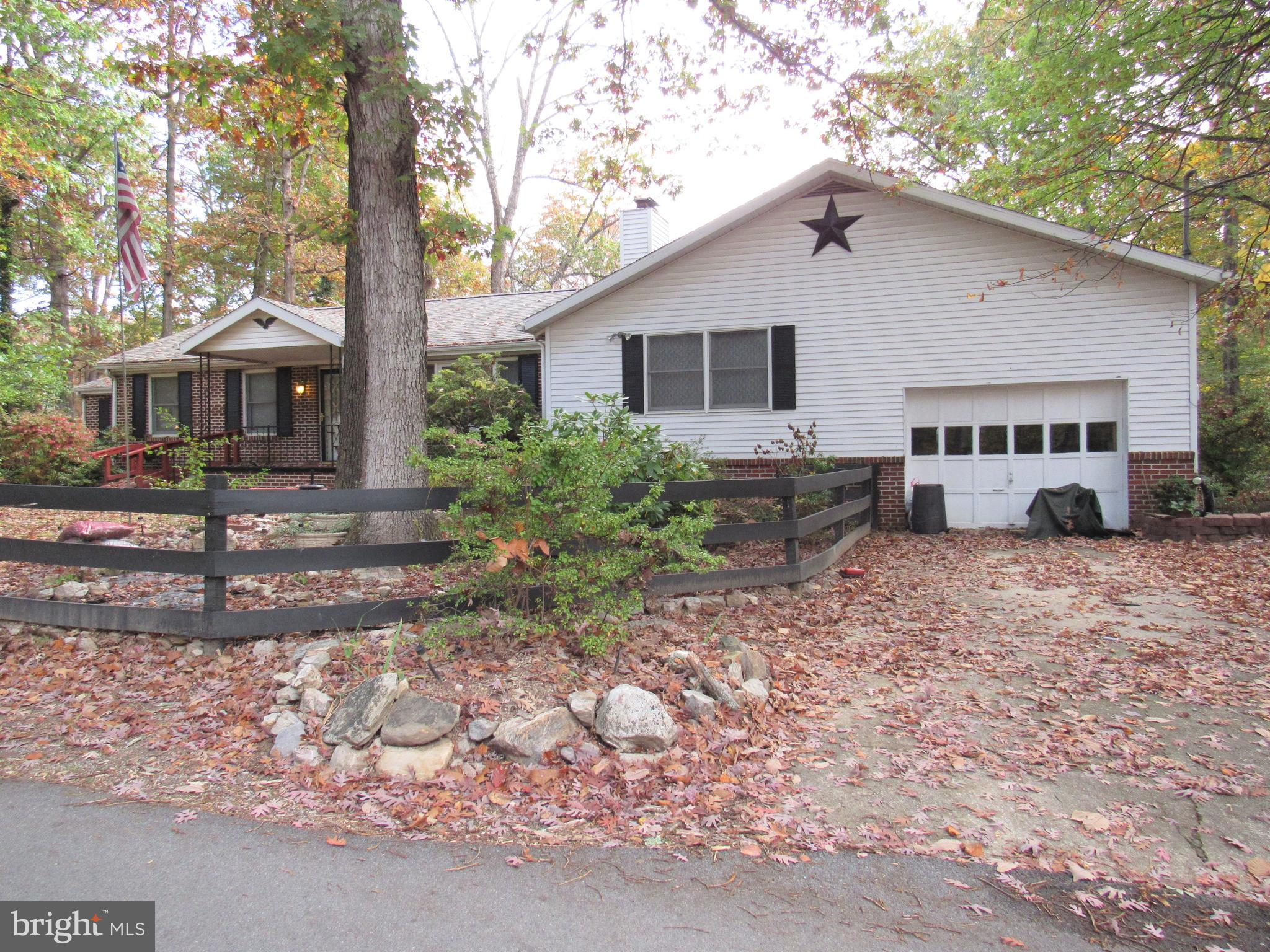SELLERS HAVE PUT ON A NEW ROOF AND WE ARE BACK ON THE MARKET!!! Welcome home to this rancher with 3