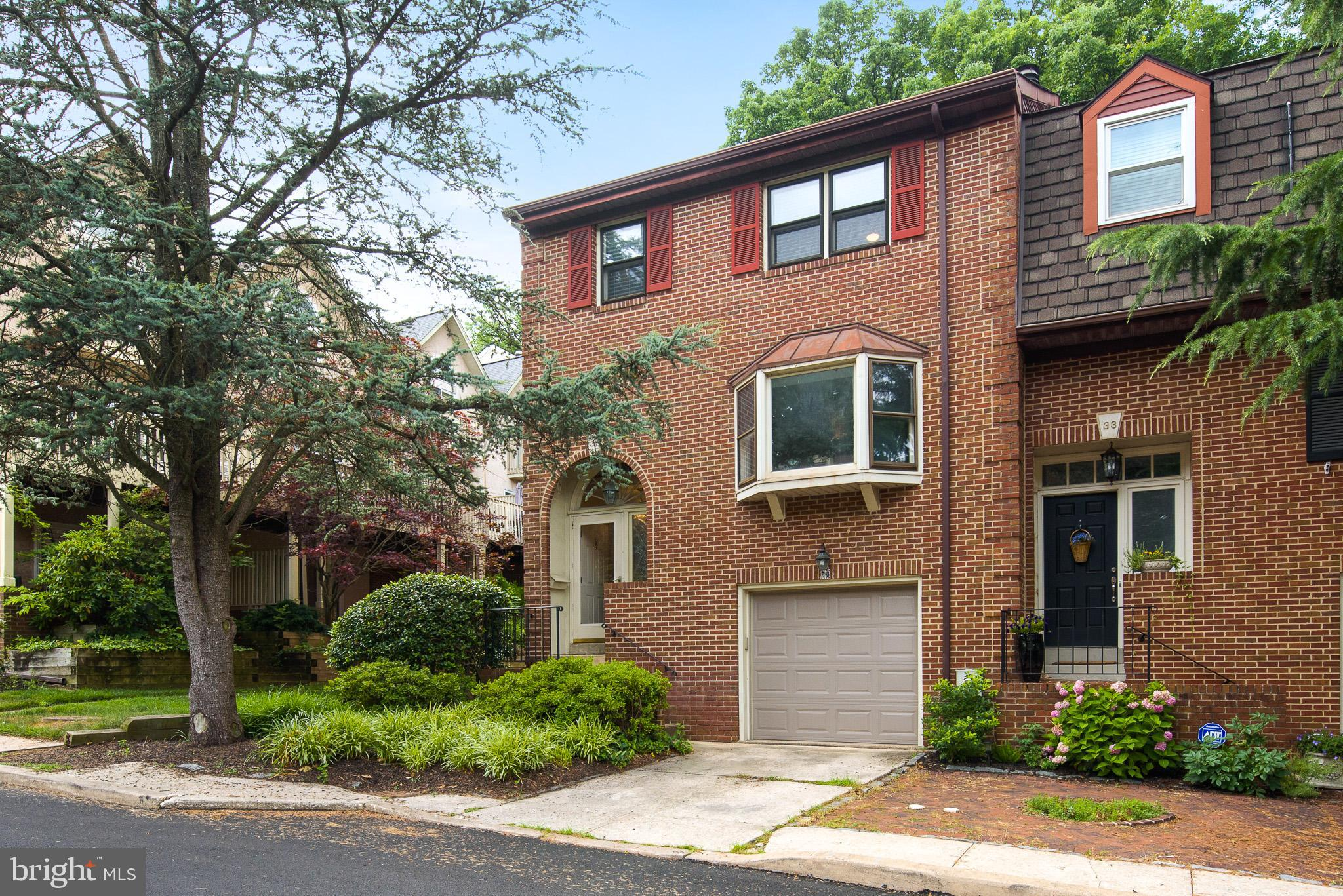 Rare opportunity to purchase an end unit town home at the base of Rockford Park!  3 story, 3 bedroom