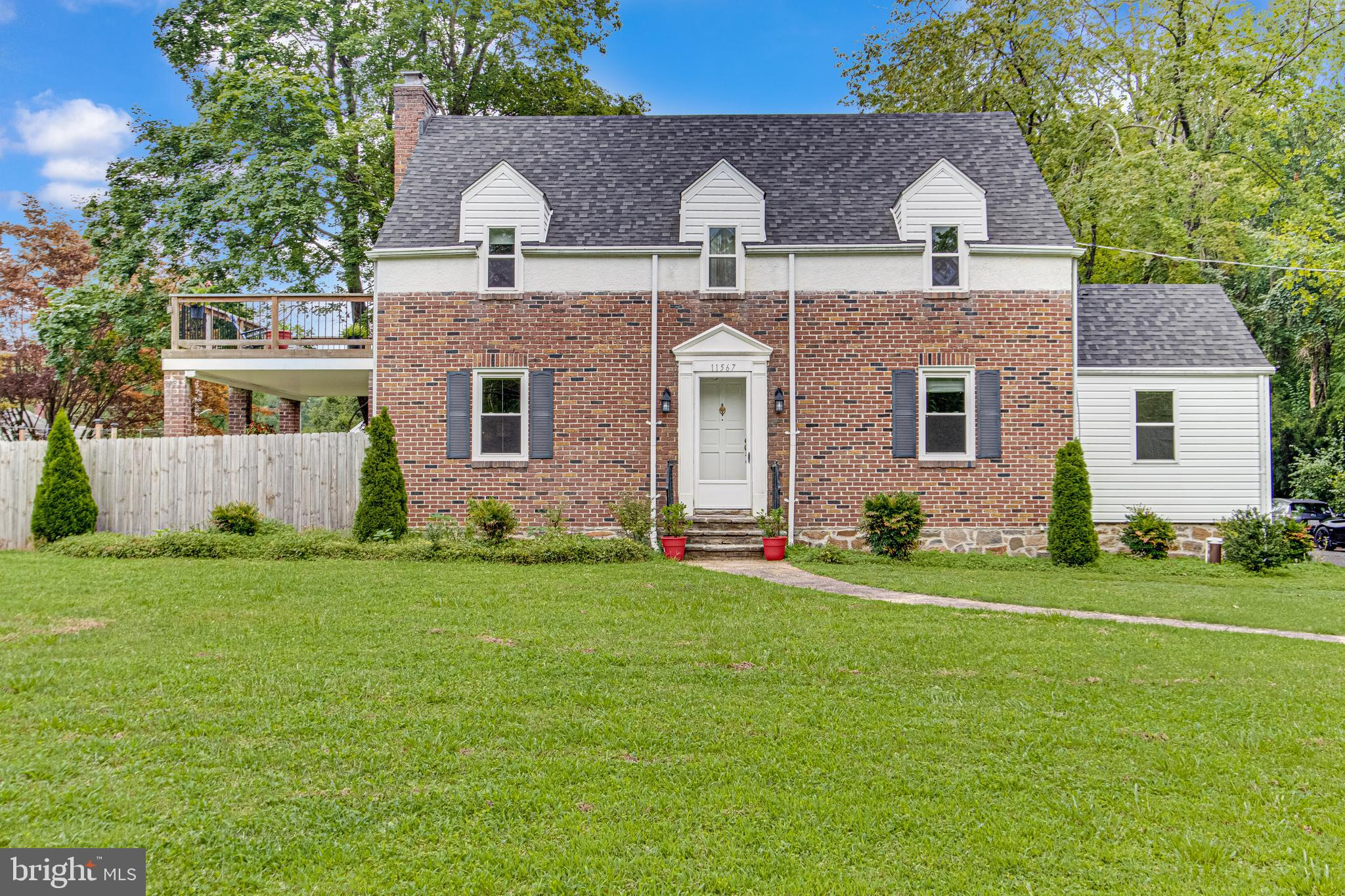 Great Prize for this Location. This charming 3 bedrooms and 1 full and 1 half bathroom cape cod is s