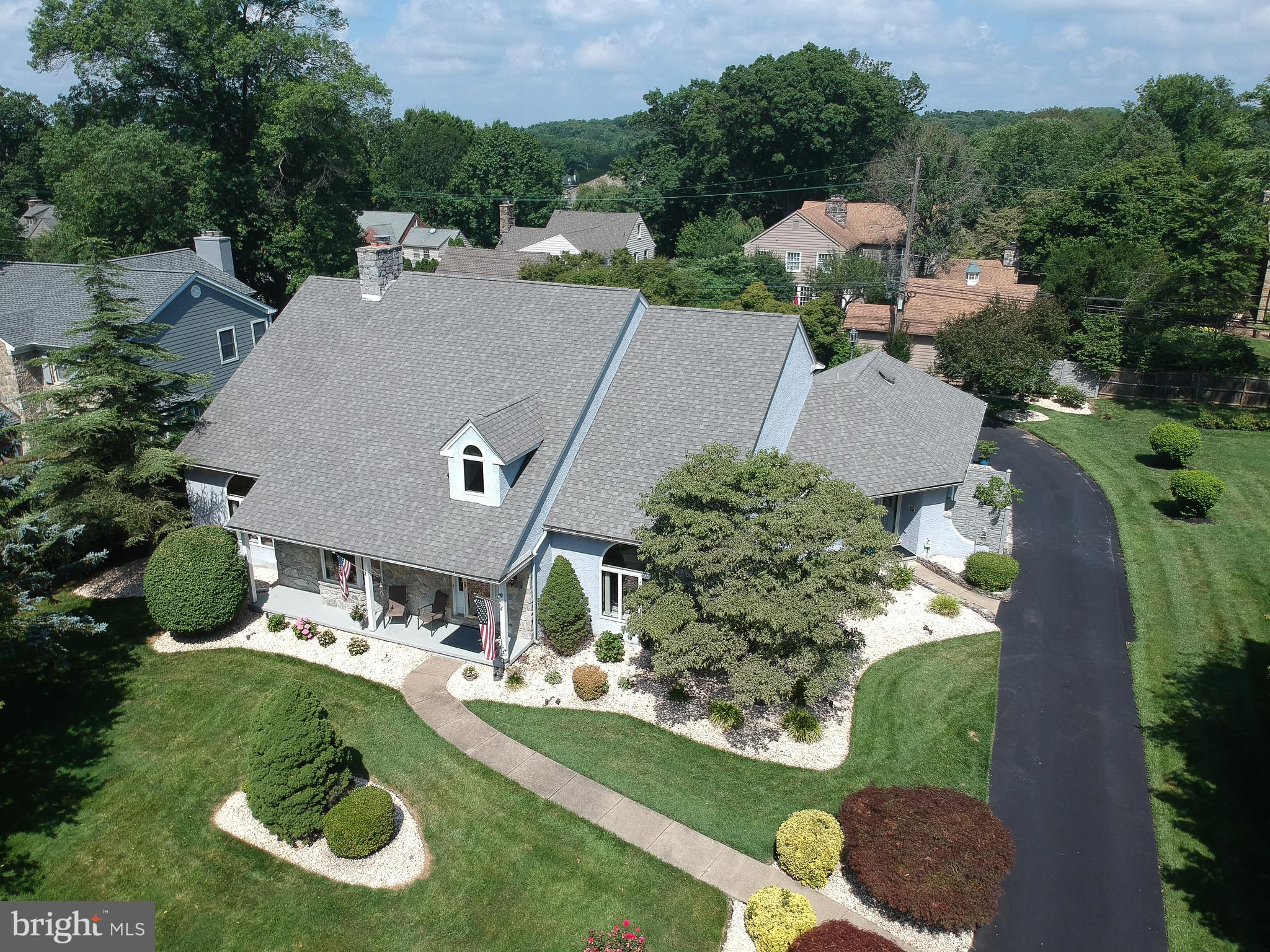 Tour this property virtually at https://app.cloudpano.com/tours/rJll5RK7kB?mls=1.  Stunning is the o