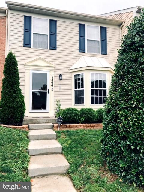 Charming Eaton Square Townhouse with close proximity to all the great amenities White Marsh has to o