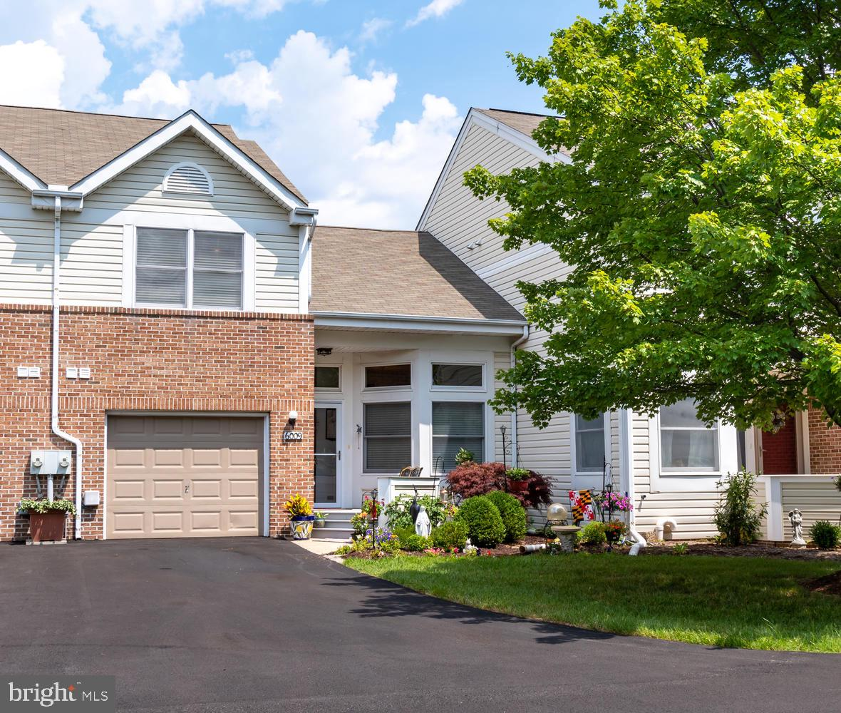 Beautiful unit located on one of the community ponds with sunsets views.  Meticulously maintained wi