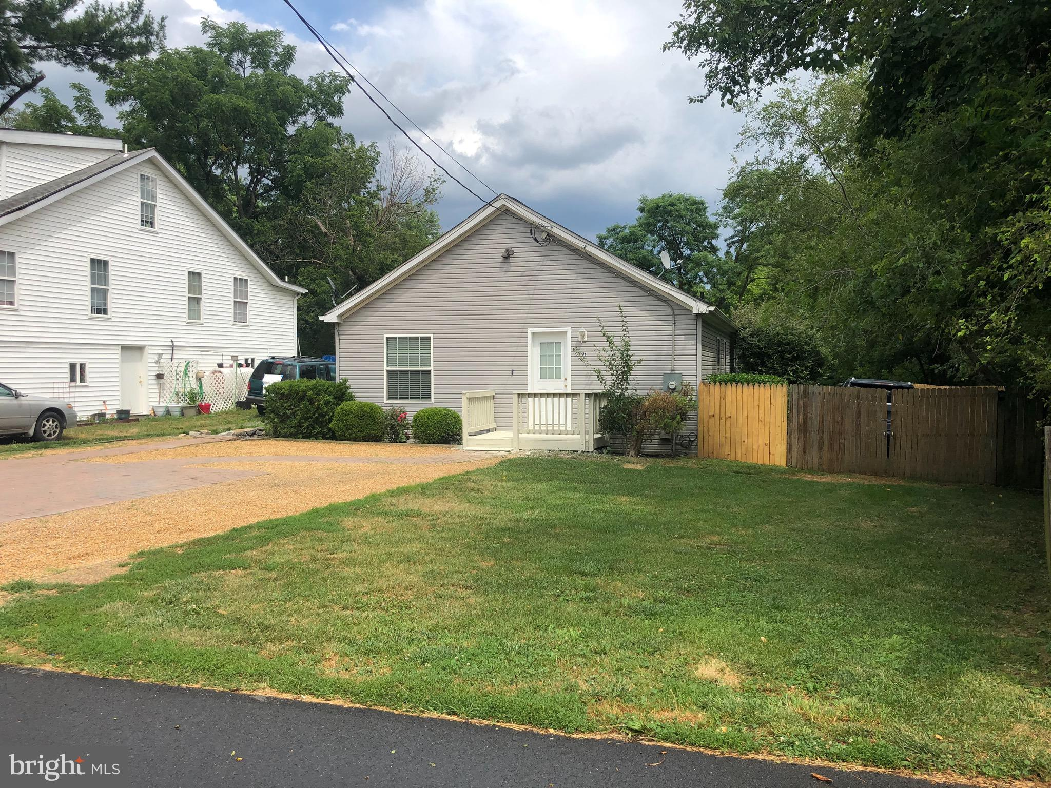 This 3 bedroom 2 bathroom home will not disappoint! A one level living, this property has walls fres