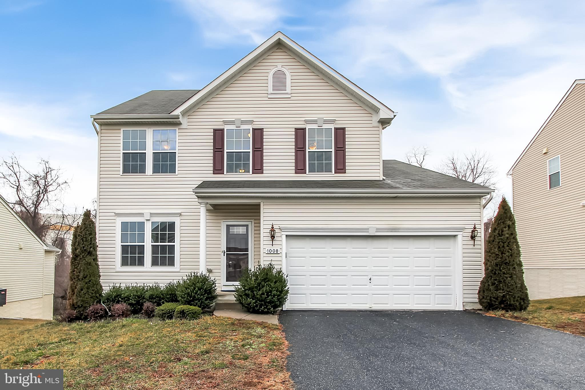 BACK ON THE MARKET DUE TO BUYER FINANCING FELL THROUGH!! **PENDING RELEASE** WELCOME HOME! Come and