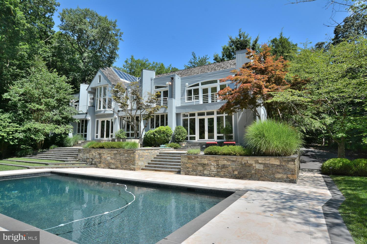 """Designed by the famous Wolftrap architect, Joe Boggs, this spectacular """"one of kind"""" contemporary is"""