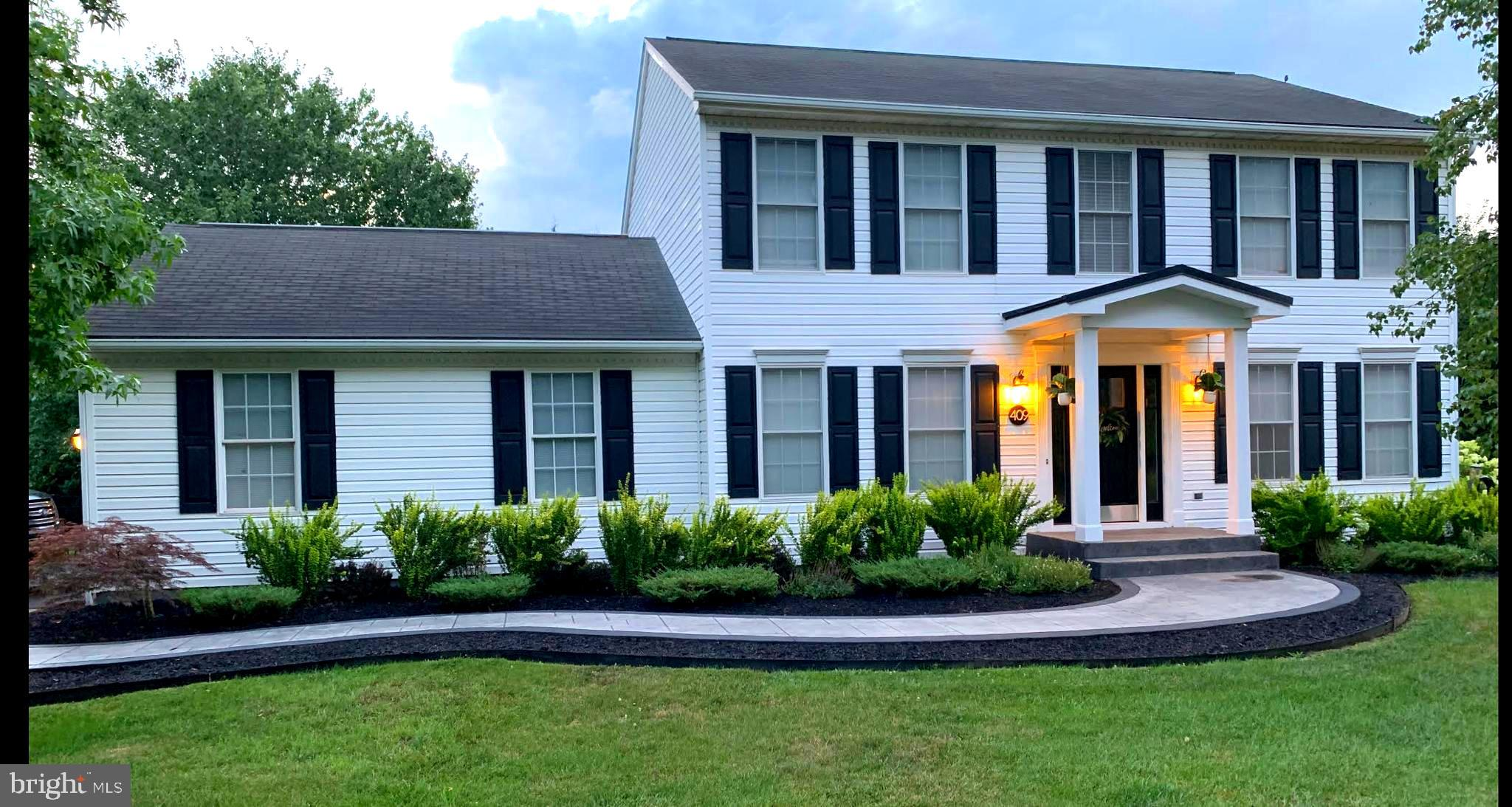 Fashionable living in Martinsburg!  Located in Foxcroft Meadows, this amazing colonial home has had