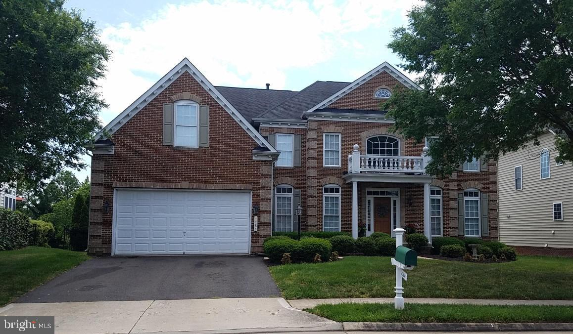 5 BR, 5.5 BA brick front colonial nested in prestigious Piedmont gated community. 5,900 sq/ft of liv