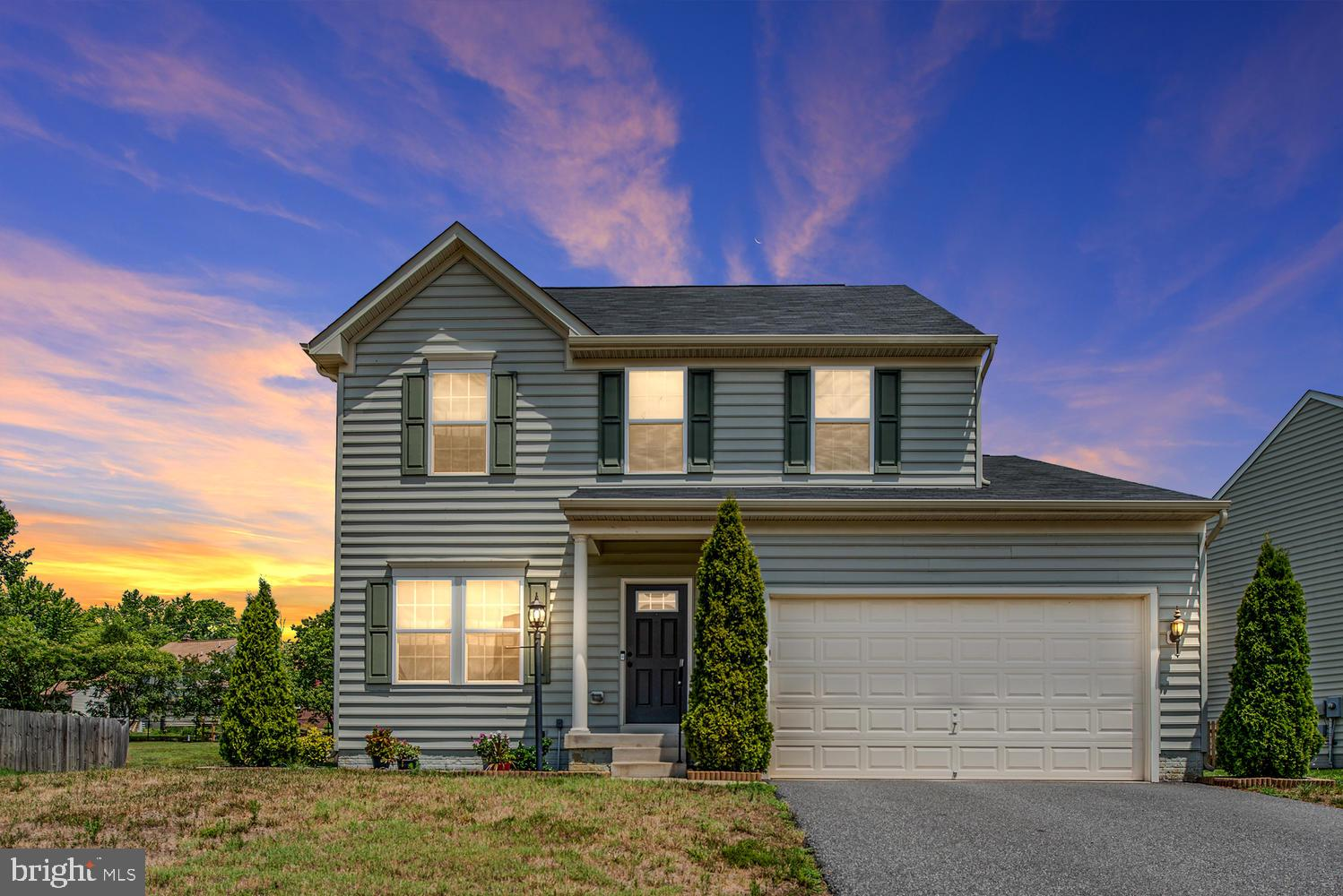 Welcome home to Stafford Landing a beautiful community conveniently located in South Stafford close