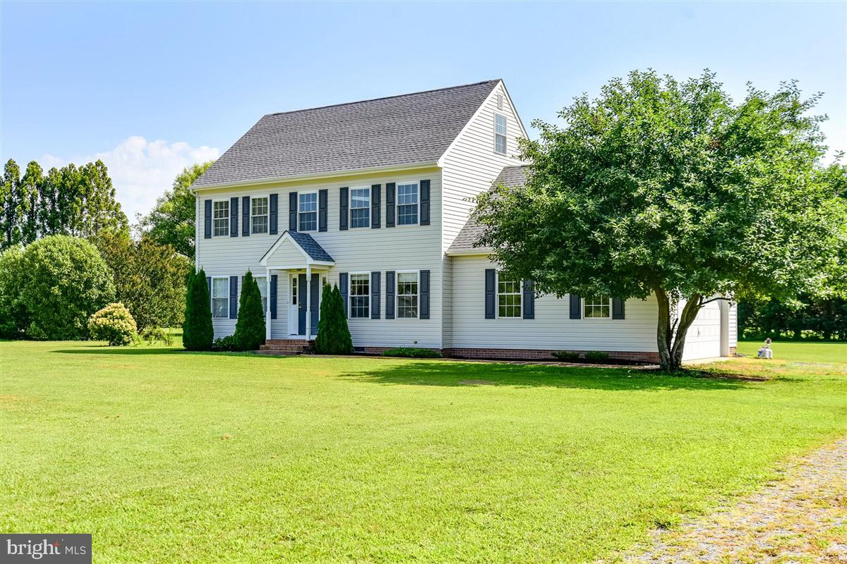 Come check out this well maintained 3 bedroom, 2.5 bath home located in the desirable neighborhood o