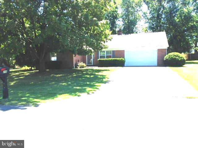 All brick Ranch in a sought after quiet neighborhood. 3 bedroom 2 bath with hardwoods throughout. Fi