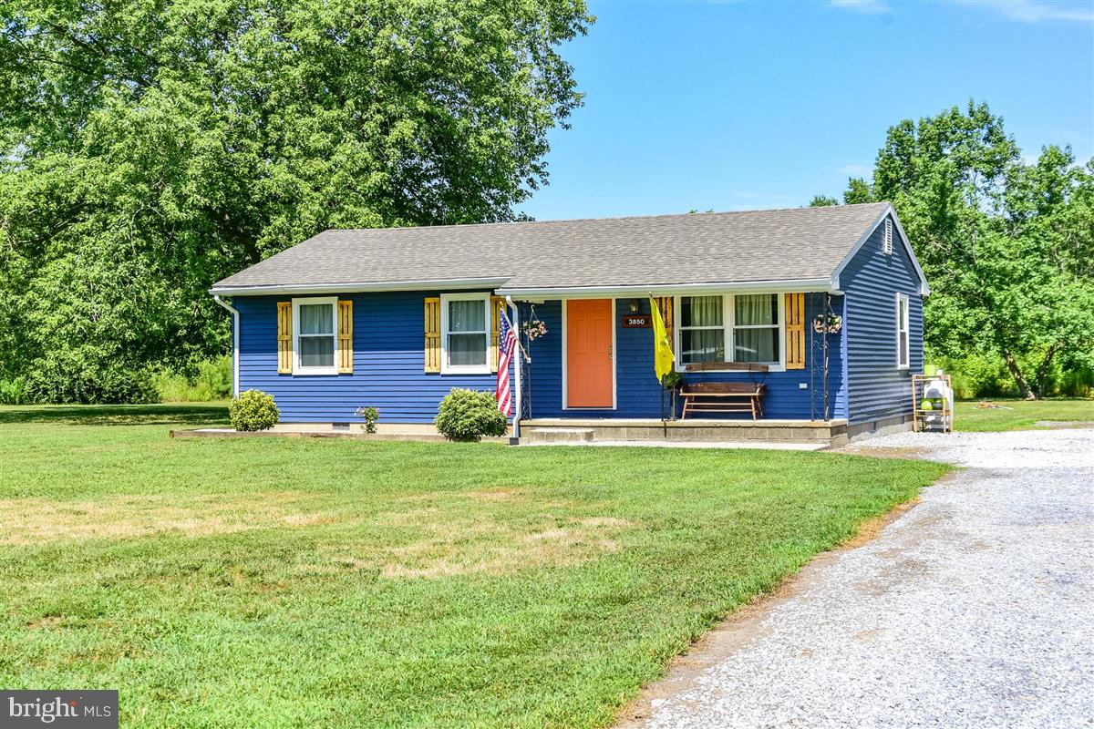 Just Listed! Check out this recently remodeled Rancher from head to toe! This 3 bed 1 full bath home