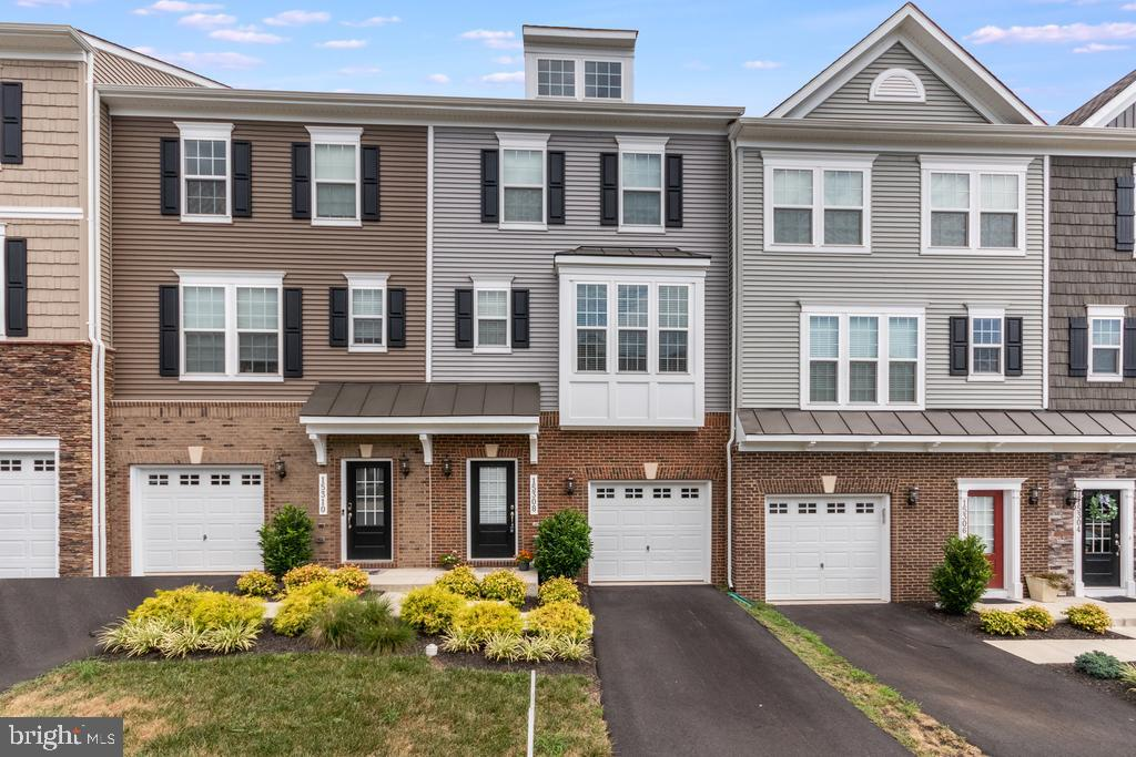 This 2 yr young townhome is move in ready for a new owner. Open floor plan. Large gourmet kitchen stainless steel  appliances, Quartz counters. Large island, perfect for entertaining! Close to the hospital and shopping. minutes to 15,66. Enjoy the deck for summer cook outs.Please follow Covid guidelines. Buyers and agent only for showings. Please call agent with any questions.Thank you for showing!