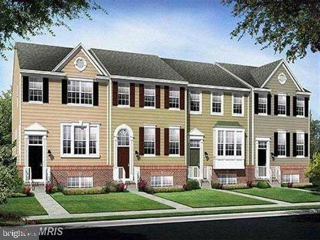 Beautiful luxury 3 level garaged TH in top school district in Germantown, MD. Close to I-270, Marc T