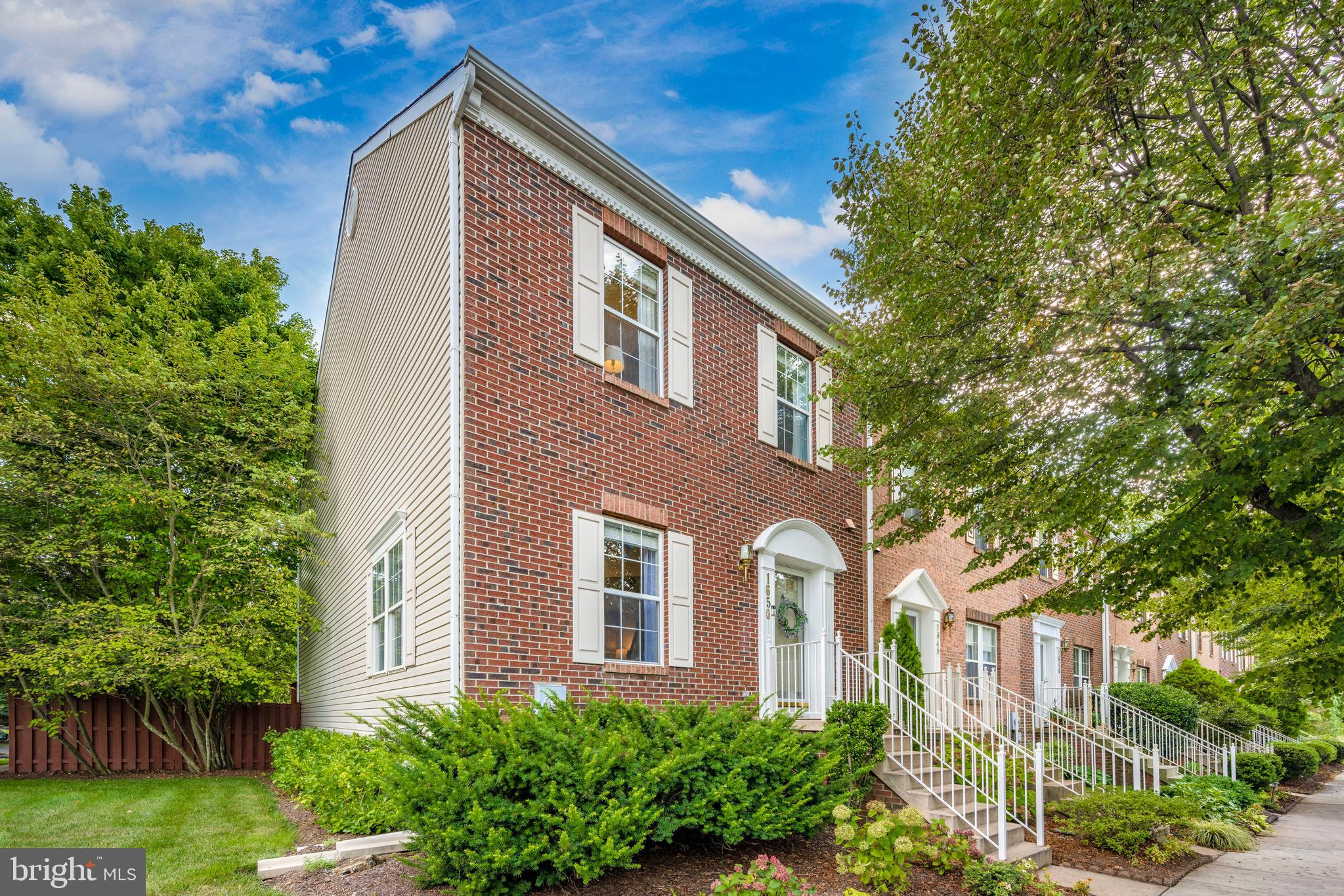 Come and visit the beautifully renovated end unit townhome in sought after Dearbought. Hardwood floo