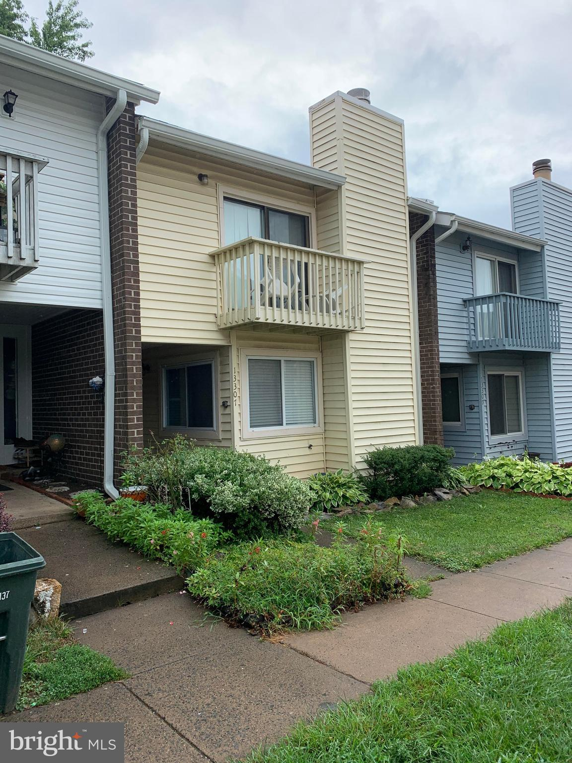 Investors delight! Owner would like to lease 1-2 years after settlement.  All offers will be present