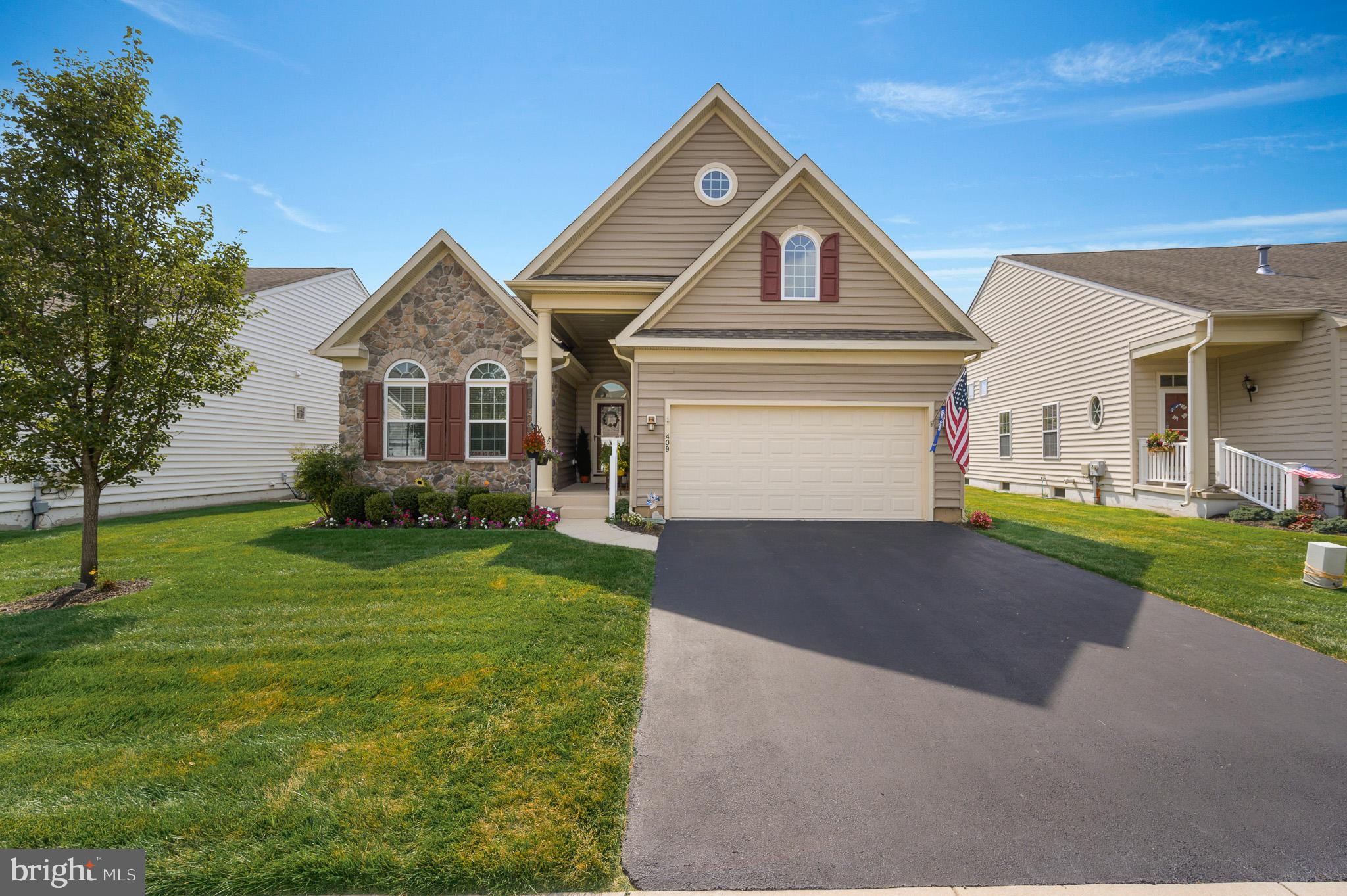 Visit this home virtually: http://www.vht.com/434092453/IDXS - Welcome Home! Situated in the highly