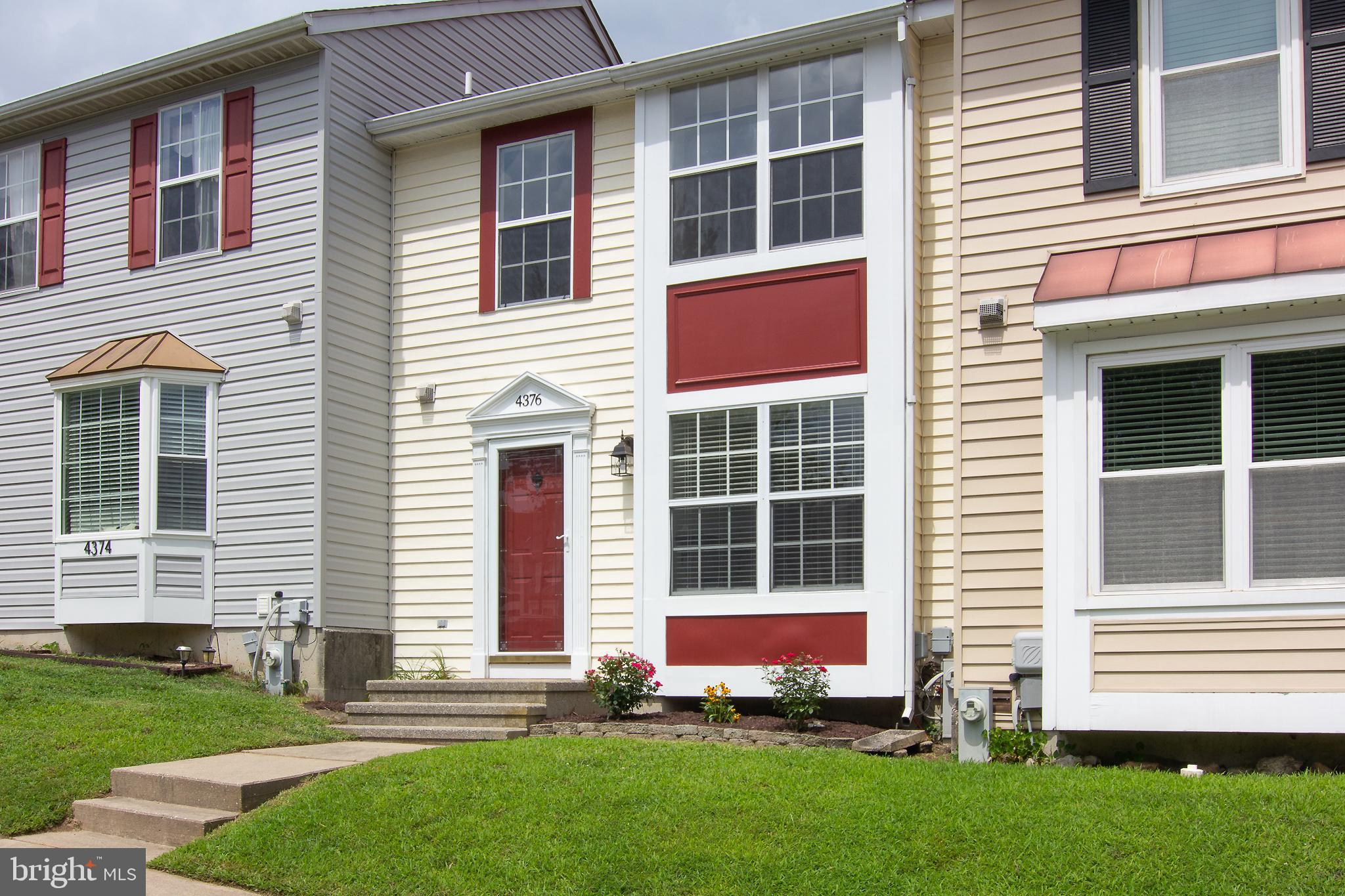 Turnkey townhome in the heart of Roberts' Field! This property has so much to offer including new HV
