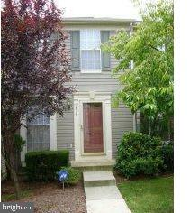 LOVELY 3 LEVEL TOWNHOUSE CONDO IN DESIRABLE DEVILS REACH COMMUNITY * MBR W/ VAULTED CEILING, BIG CLO