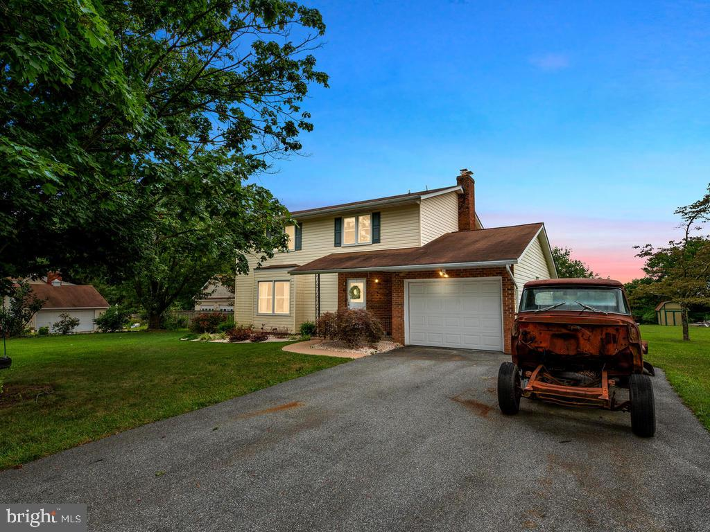 You're not going to want to miss out on this gorgeous 4 Bedroom Colonial in Westminster! The Sellers