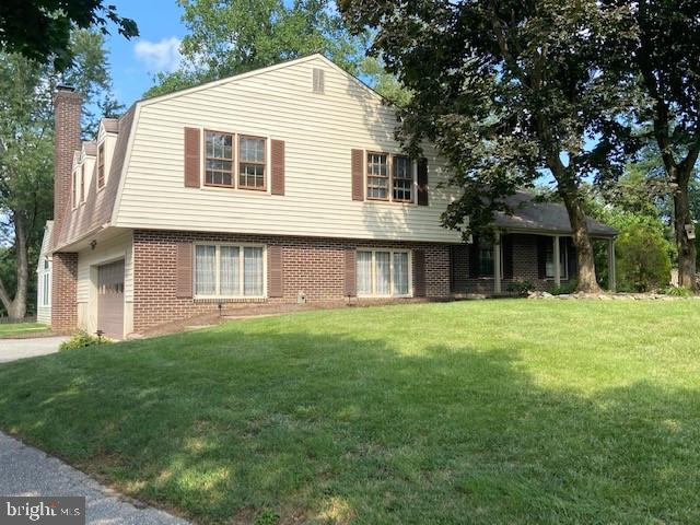 Desired Chartwell community, on a quiet cul de sac, walking distance to blue ribbon elementary and m