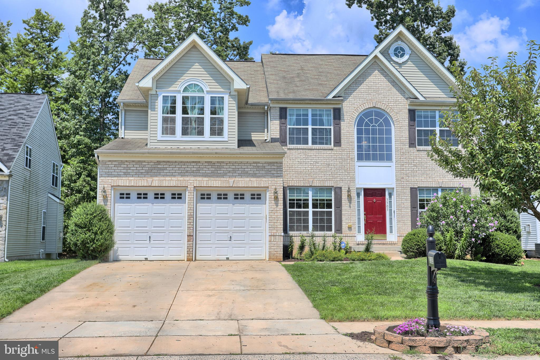 Awesome 4 bedroom 3.5 bath home. Your main level offers HARDWOOD floors throughout most of this leve