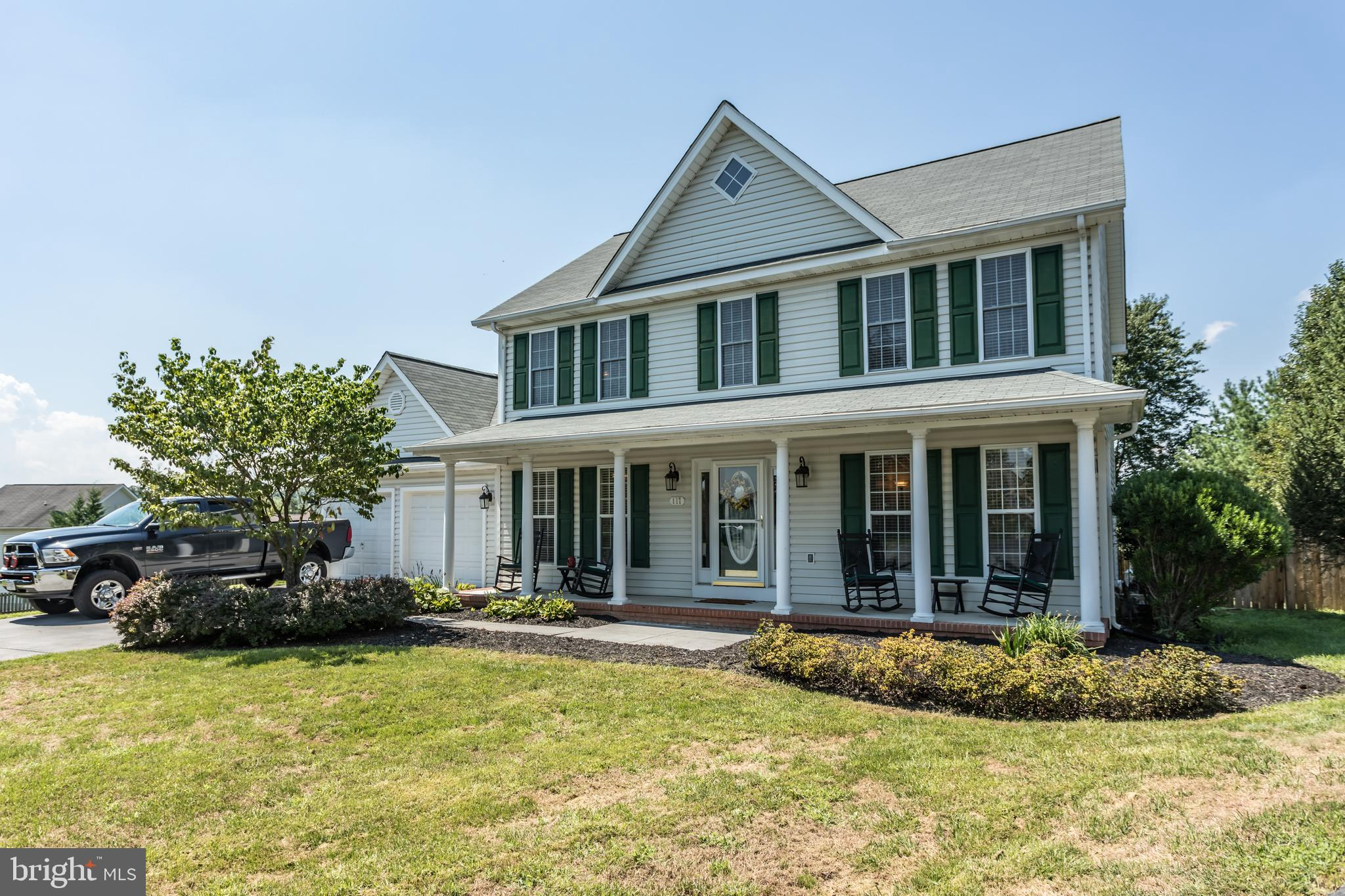SHOWINGS BEGIN 8/14!! Priced to Sell & MOVE IN READY! Only minutes from Route 7, Interstate 81, and
