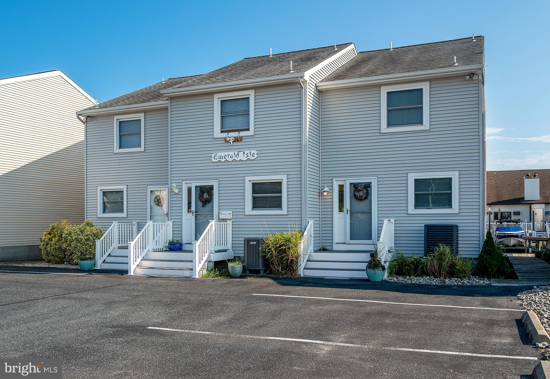 Experience the bliss of waterfront living in this amazing townhome. Be sure to bring your boat! Dire