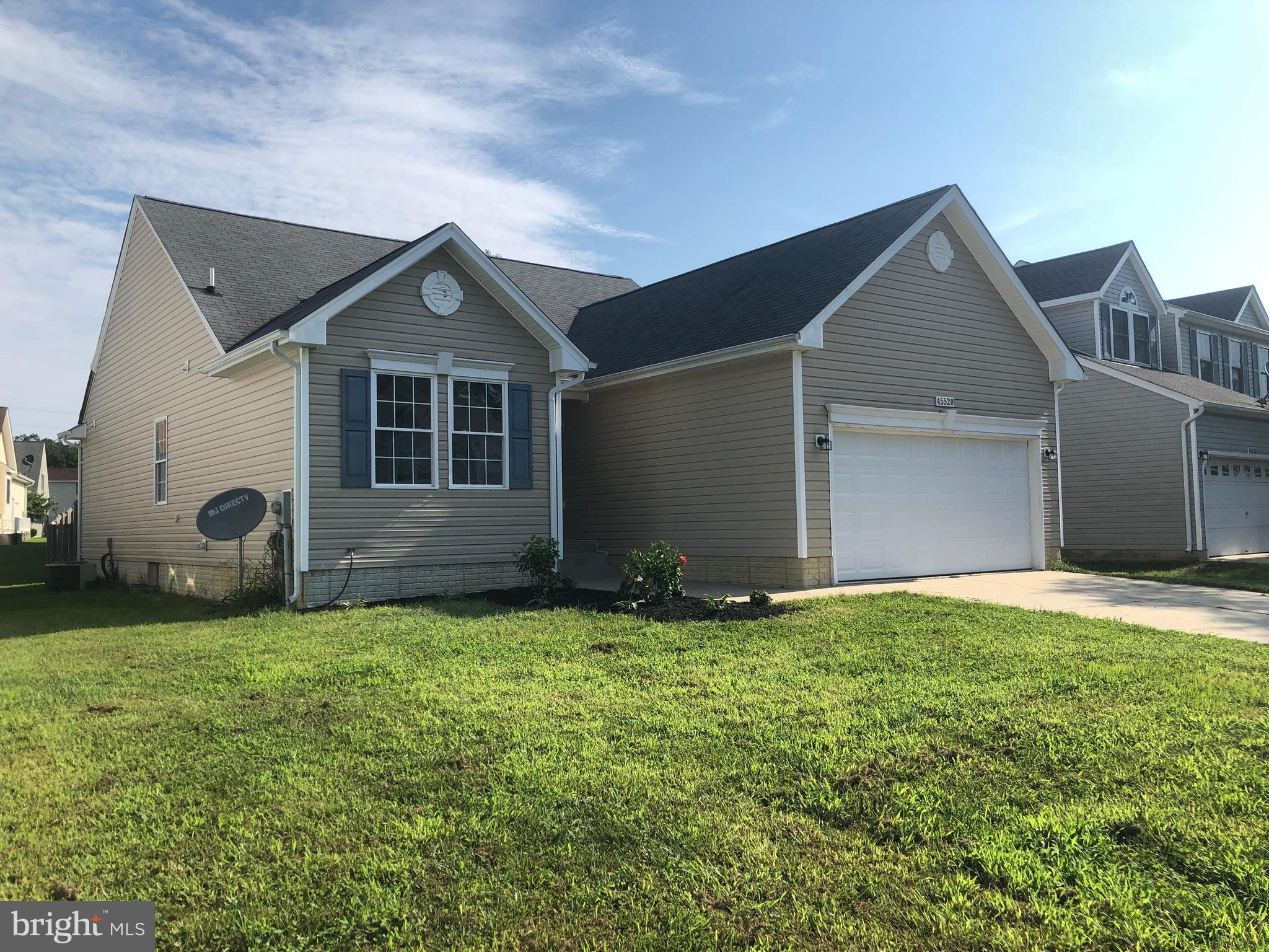This Beautiful Rambler offers 3 bedrooms and 3 full bathrooms. Large kitchen open to living room and