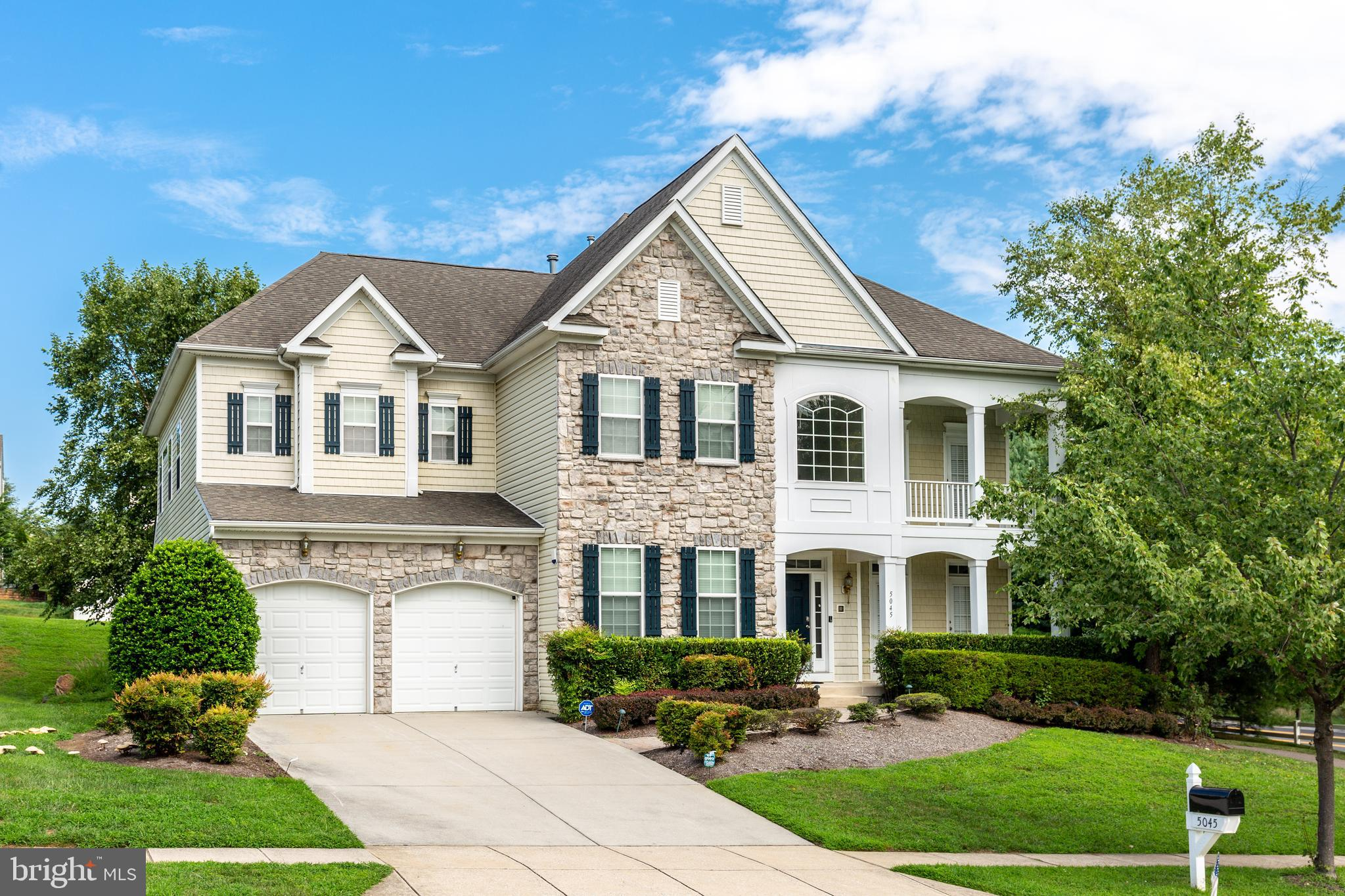 Welcome home to where luxury living in a great location meets exquisite attention to detail. With a