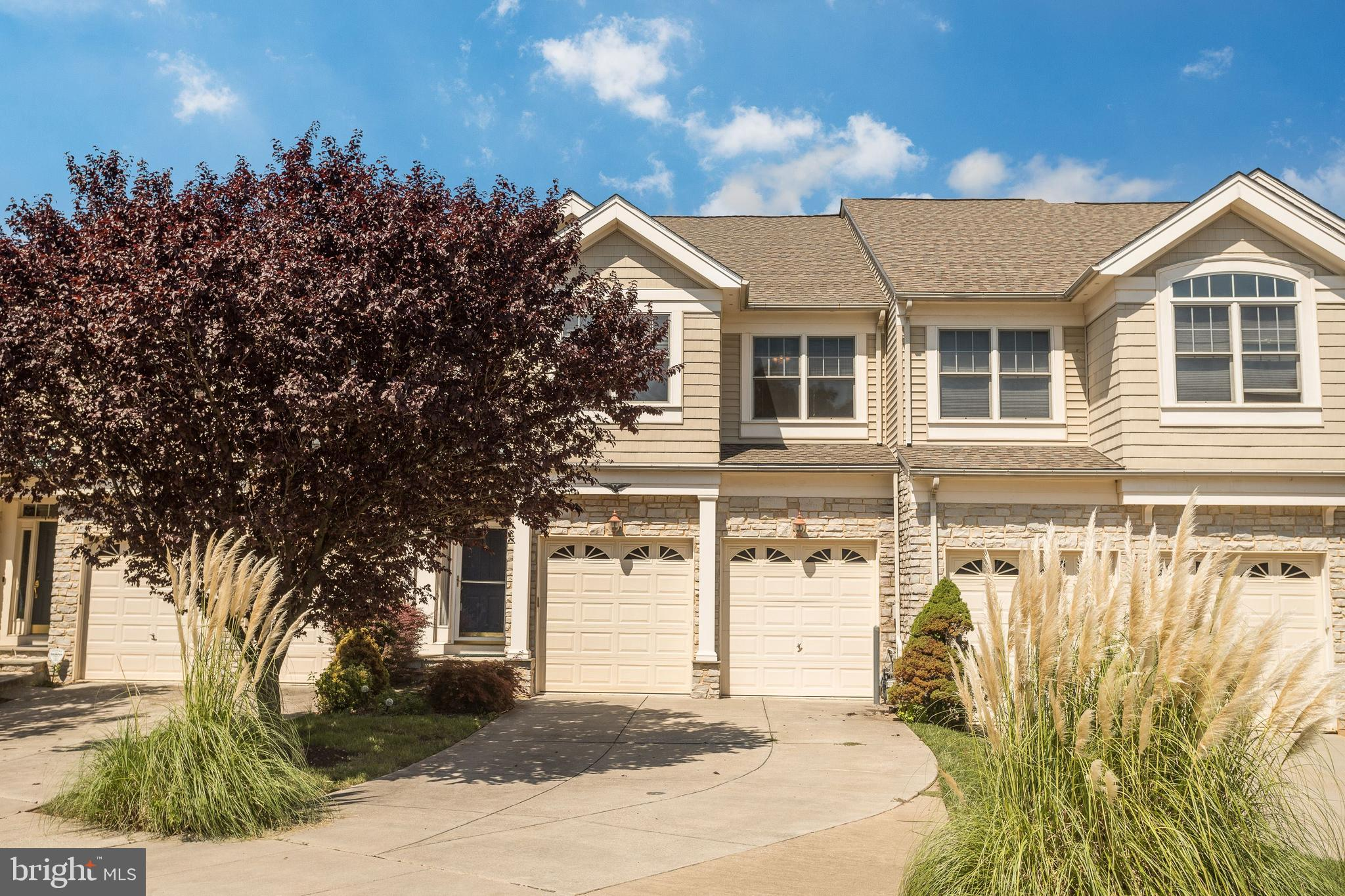 Beautiful 4 bedroom Colonial located in the amenities rich Stone Gate community of Laurel.  The sun