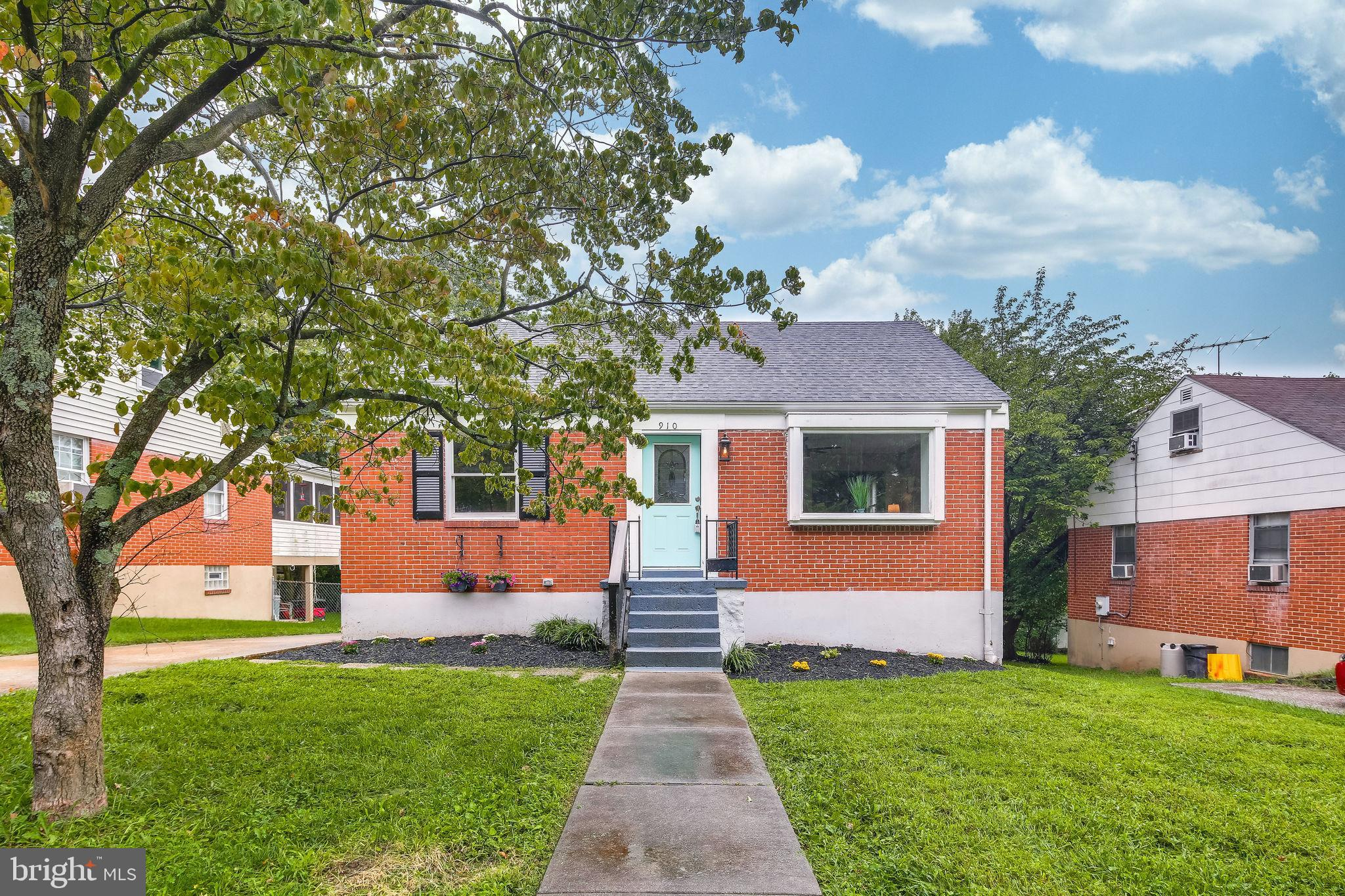Beautifully Renovated Single Family Home.  Homeowners dream with indoor and outdoor attractions that