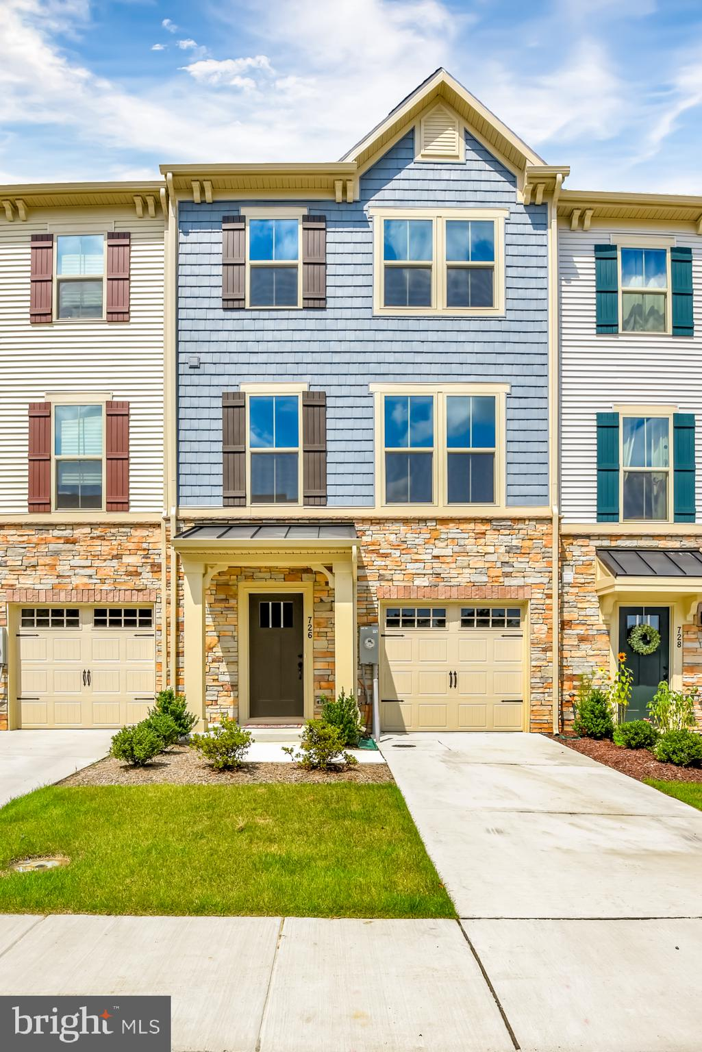 Buyer Financing Fell Thru- Their Loss is Your Gain!!!!**LESS THEN 1 YEAR OLD** Garage Townhome with