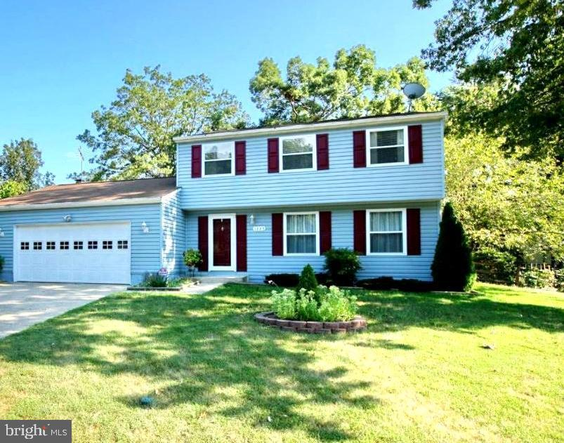 Come check out this Lovely 3 Bedroom 2.5 Bathroom Colonial Home. It has a Fireplace to cozy up to in