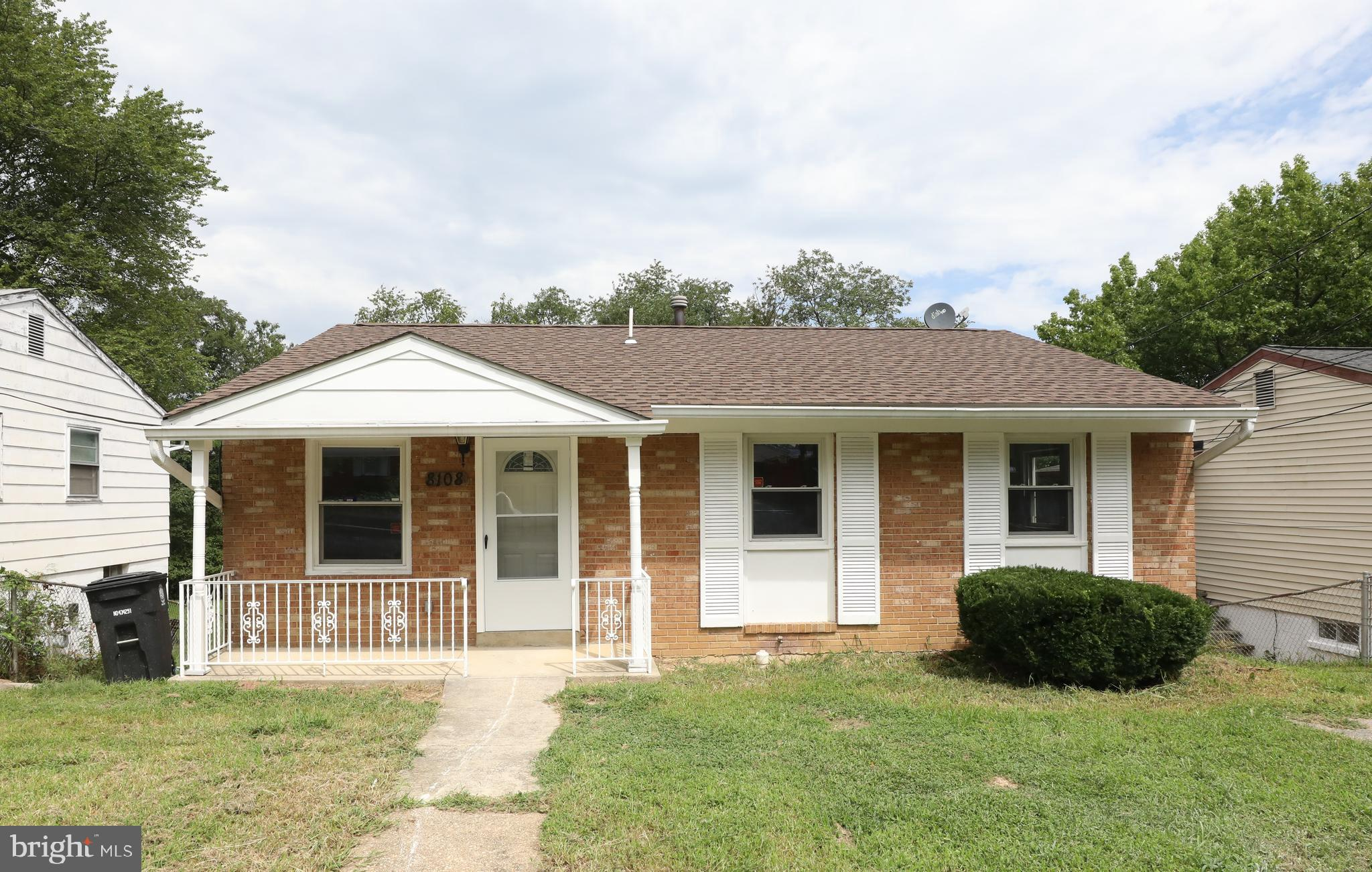 Fully Remodeled 5BR/2.5 BA spacious home is priced to sell!  This BEAUTIFULLY remodeled home is full