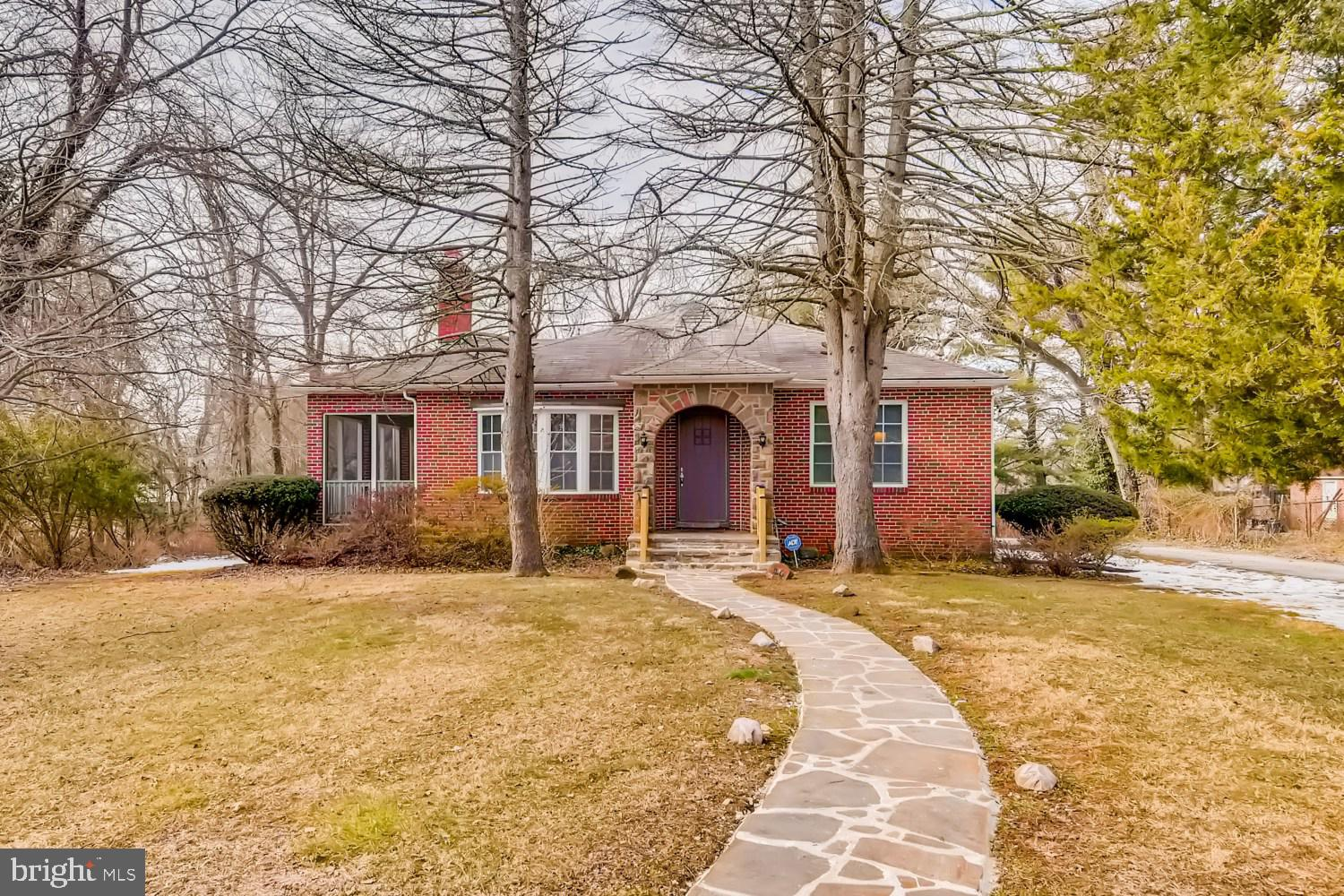 ***BACK ON THE MARKET w/SELLER CONCESSION, INSTANT EQUITY, and 1-year HOME WARRANTY...PLUS...Seller