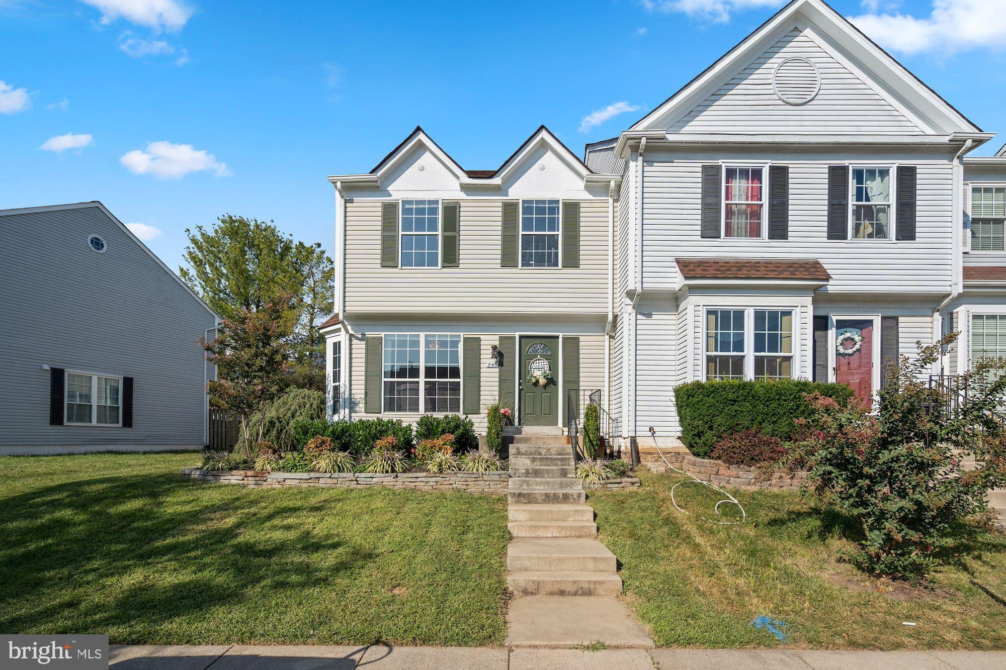 Convenient to everything Potomac Crossing home just hit the market in Leesburg!!  This beautiful mod