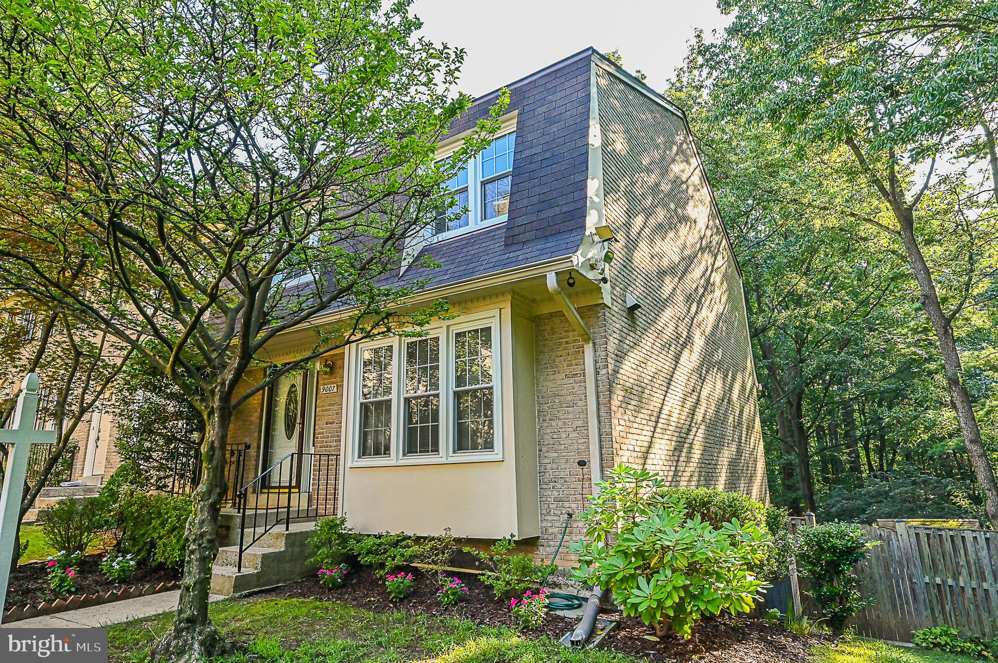 Beautiful 3BR 2.2BA end-unit townhome in sought after Keene Mill Village.  Immaculate home.  Pride o