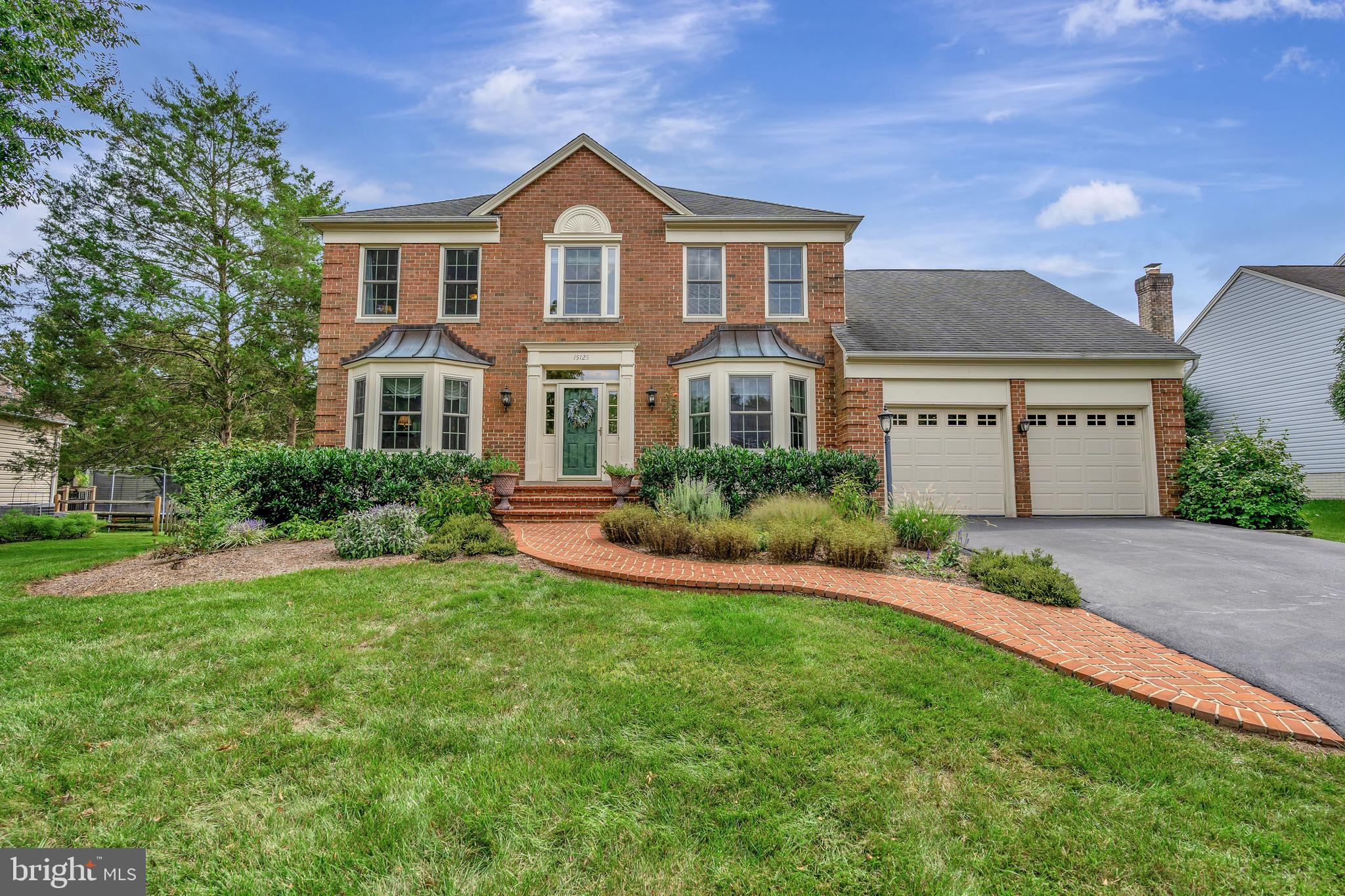This stunning colonial Bradford Model built by Milton is perfectly set on a 1/3 acre lot that backs
