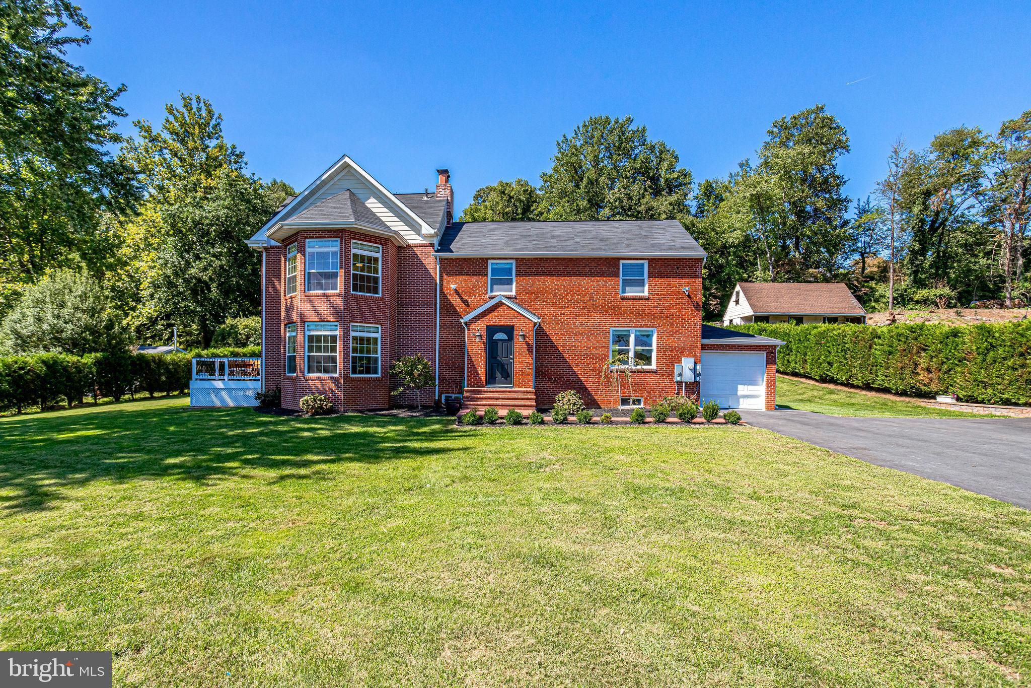 LOCATIONL! LOCATION! LOCATION !Recently Renovated/Updated throughout, this handsome colonial has bee
