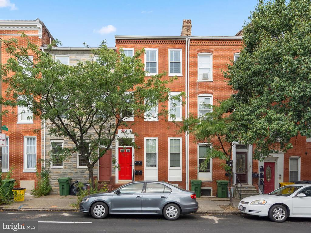 3 Unit Rowhouse fully renovated within last 5 years. Across from University of Maryland Hospital and