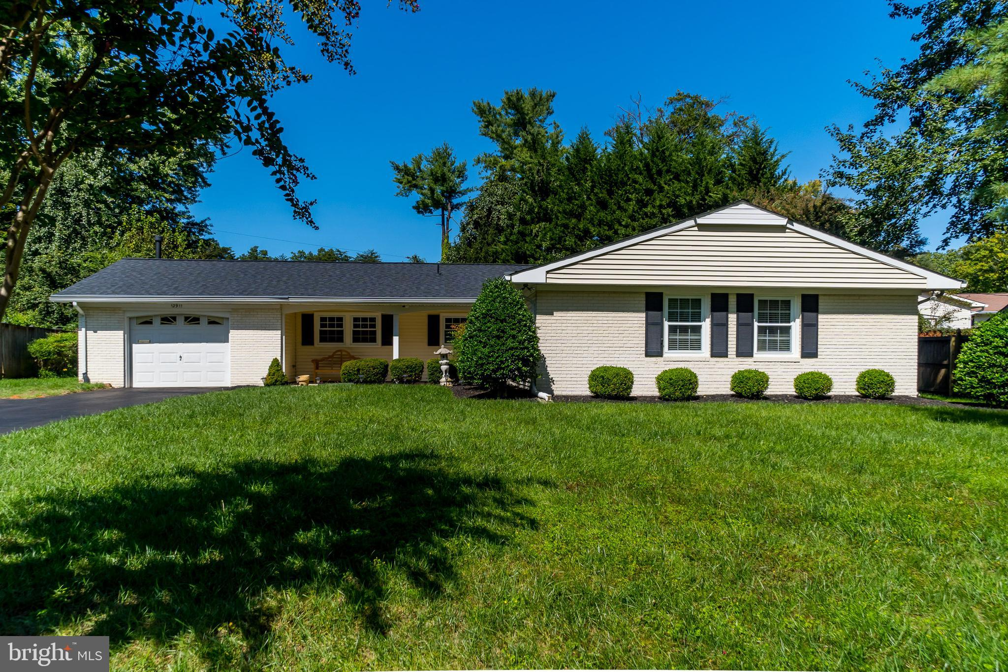 This one will go fast! Don't miss this Bowie rancher with 3 bedrooms and 2 full baths.  Professional