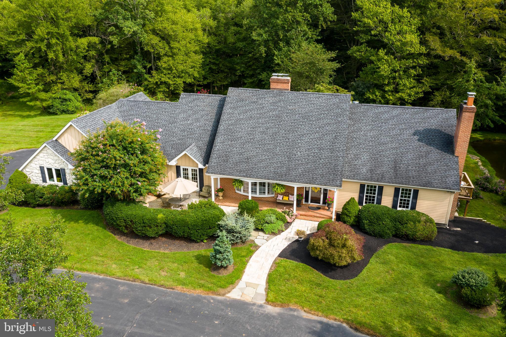 Comfortable Custom-built, Great Access Hard to beat this location abutting Fair Hill State Park and