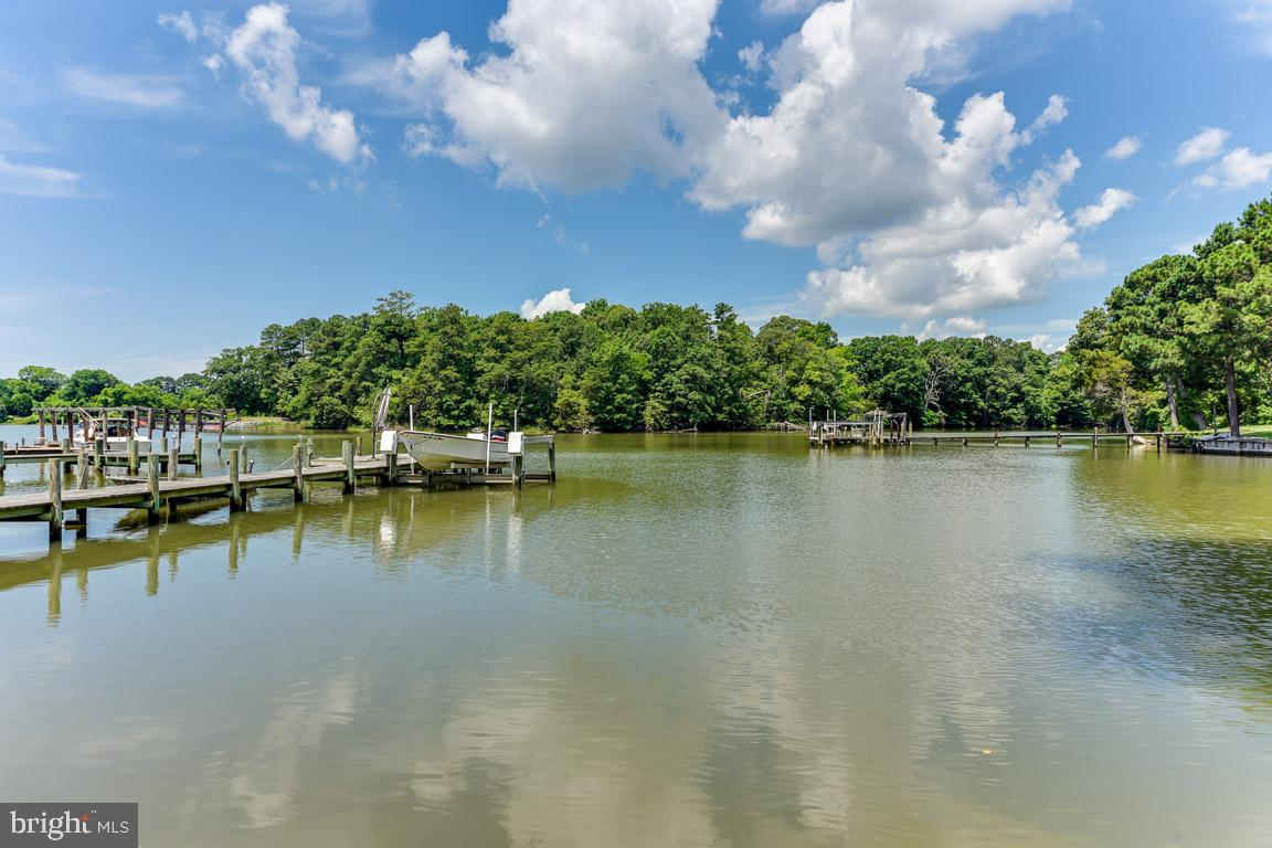 Summer fun never needs to end with this beautiful waterfront retreat. Enjoy the private pier and boa