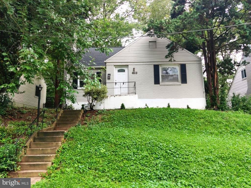 Fully remodeled and ready to become your new home!  Boasting 4 large bedrooms, 2 full bathrooms, hardwood floors through out , fresh paint, brand new HVAC and upgraded stainless steal appliances are just some of the highlights for this home!  Won't last long!  Contact listing agent with any questions.